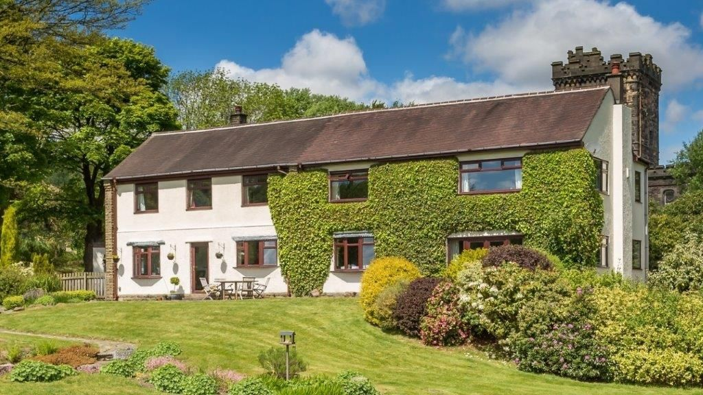 6 bedroom detached house For Sale in Todmorden - Photograph 1