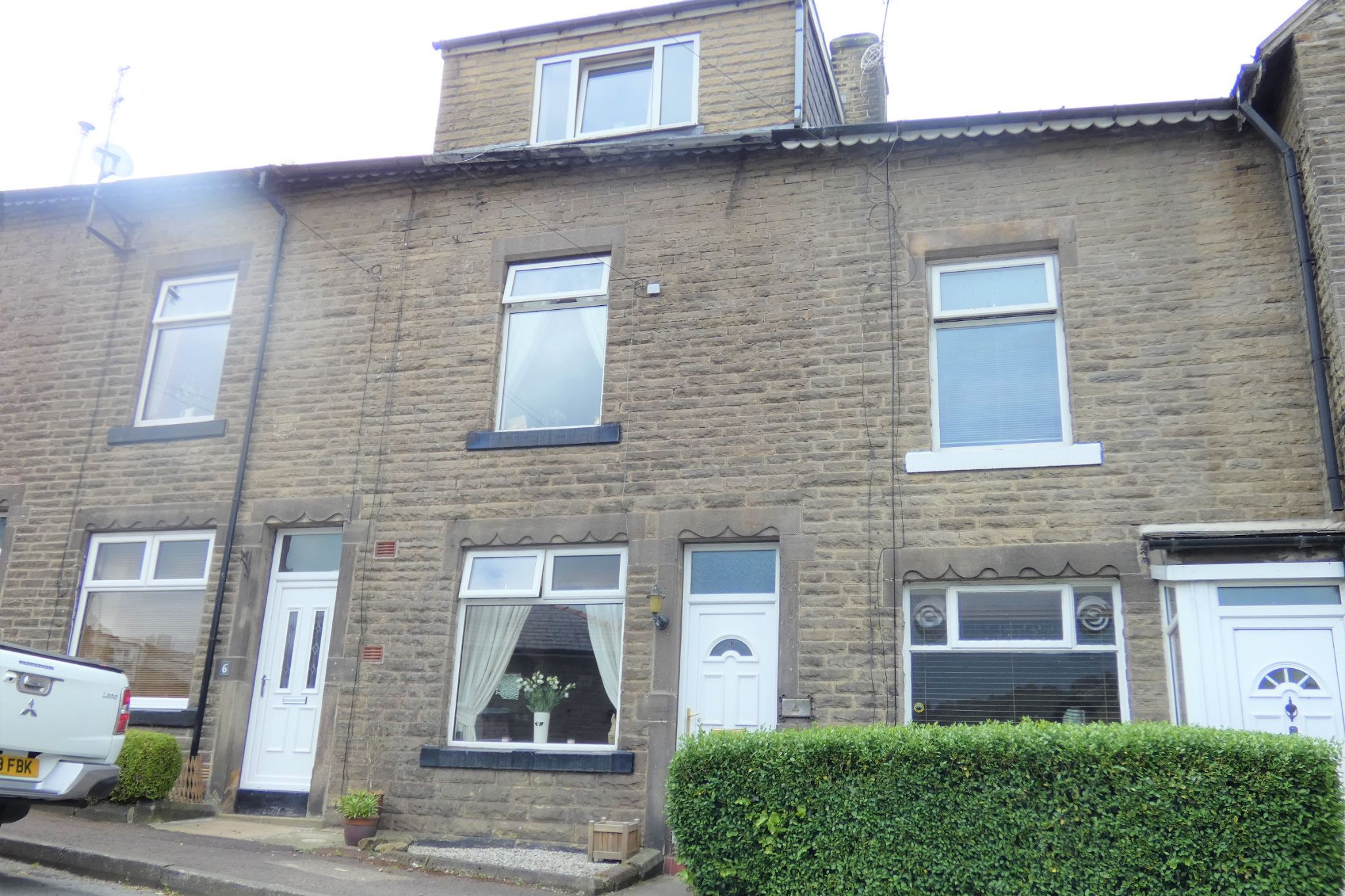 3 bedroom mid terraced house For Sale in Todmorden - Property photograph