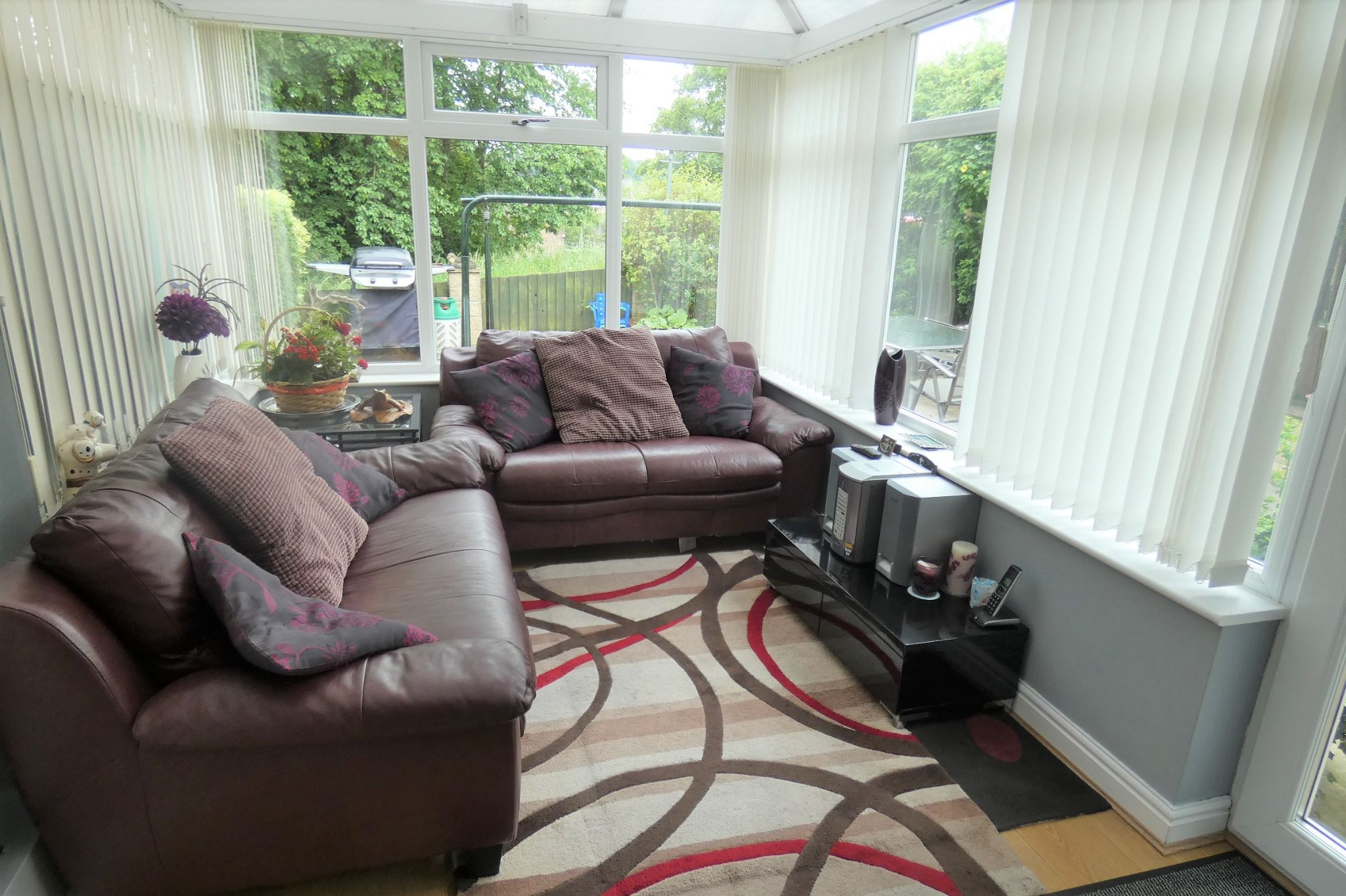 2 bedroom semi-detached house For Sale in Sowerby Bridge - Property photograph