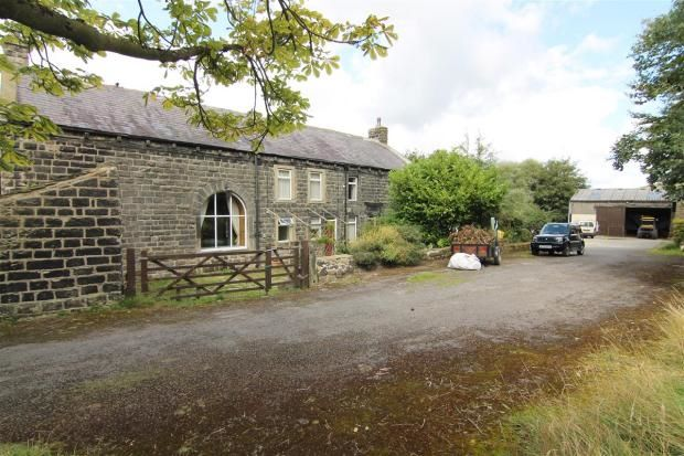 4 bedroom detached house Sale Agreed in Todmorden - Photograph 2