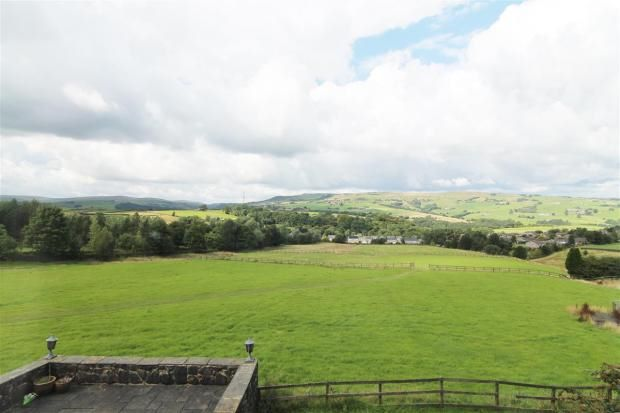 4 bedroom detached house Sale Agreed in Todmorden - Photograph 4