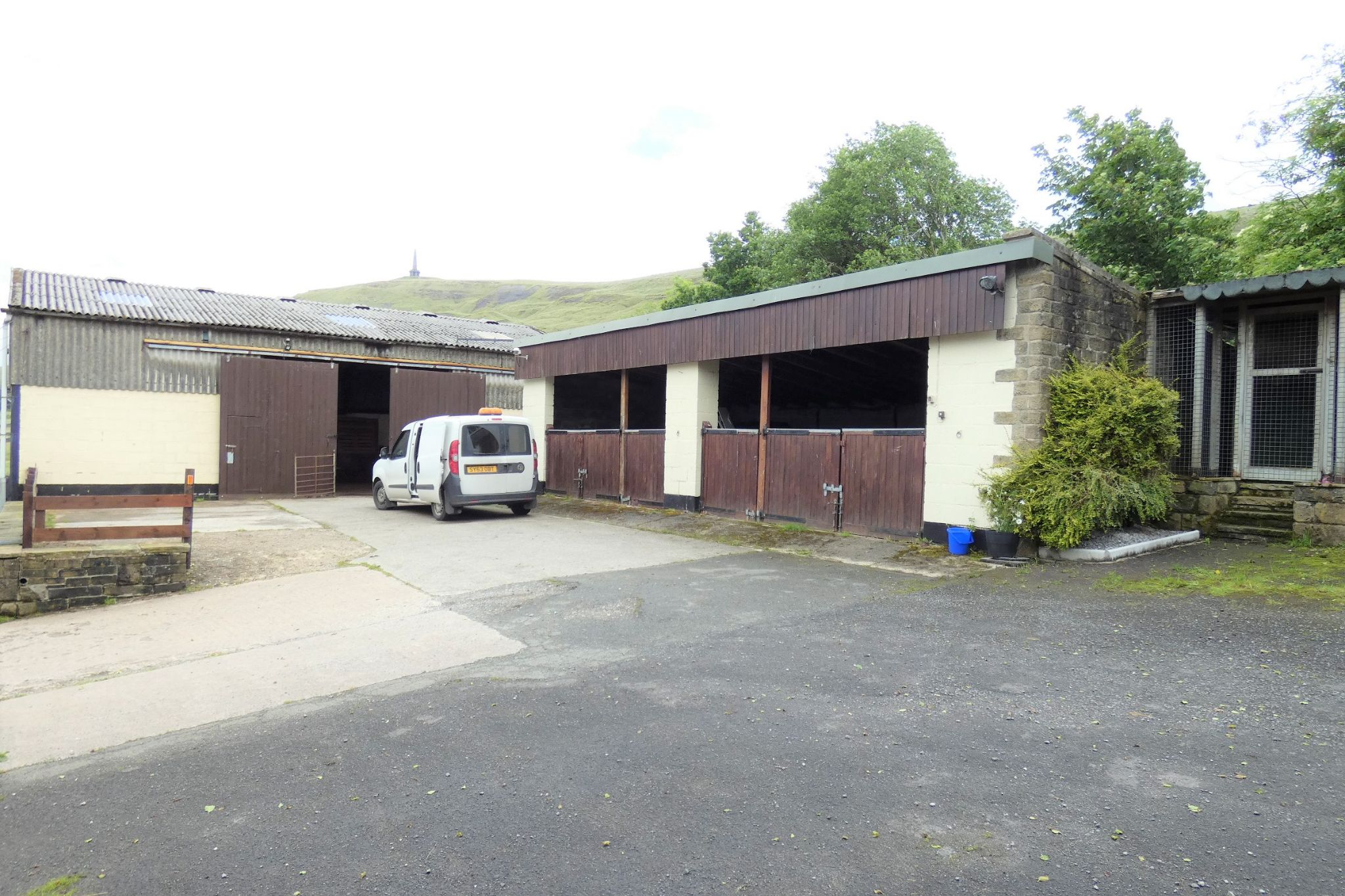 4 bedroom detached house Sale Agreed in Todmorden - Photograph 37
