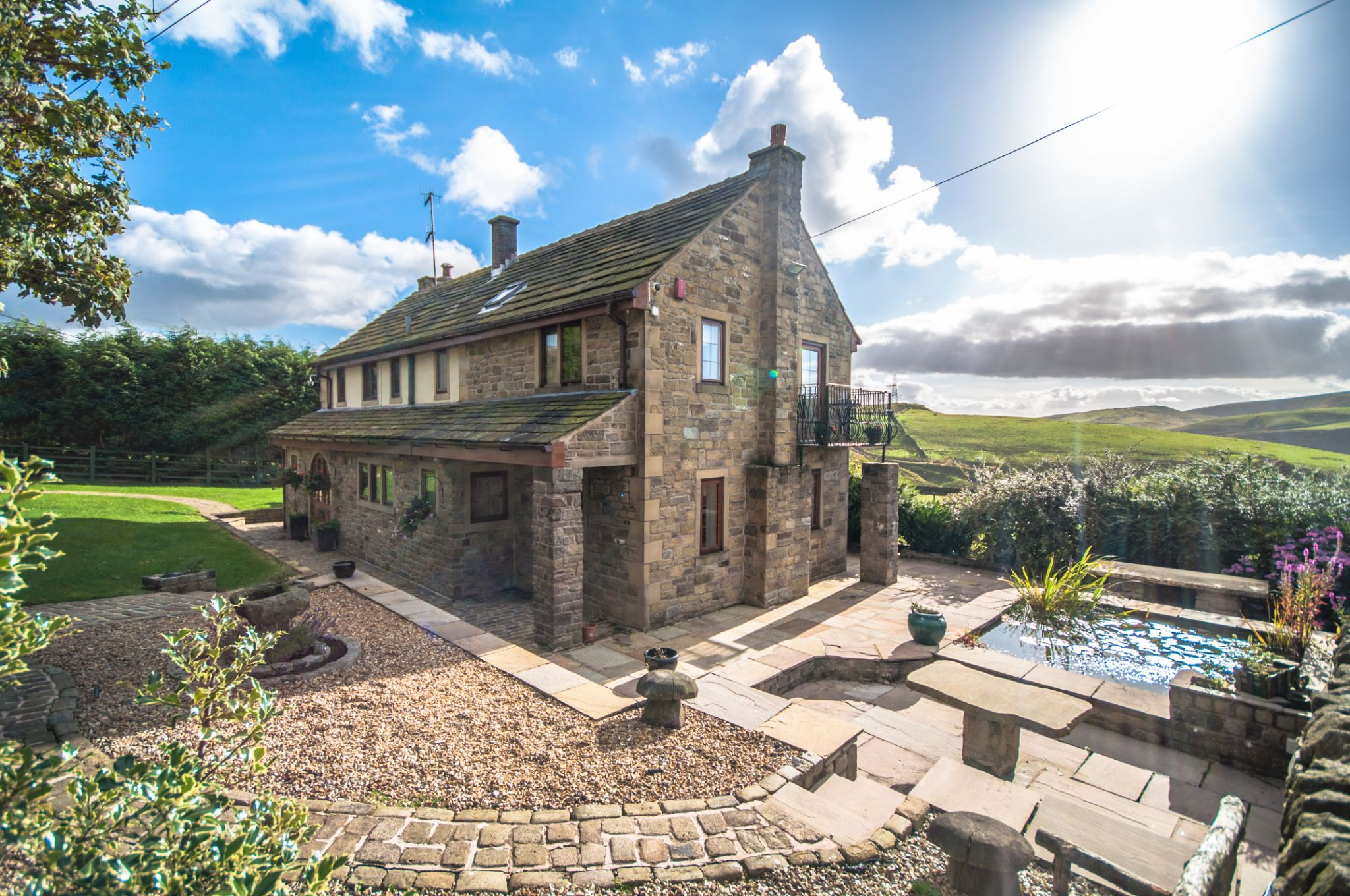 4 bedroom detached house For Sale in Todmorden - Main House