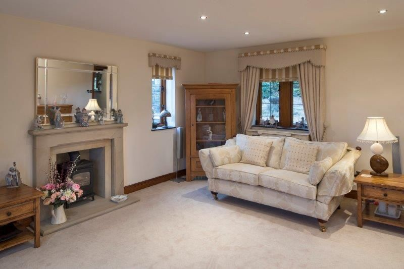 4 bedroom detached house For Sale in Todmorden - Photograph 36