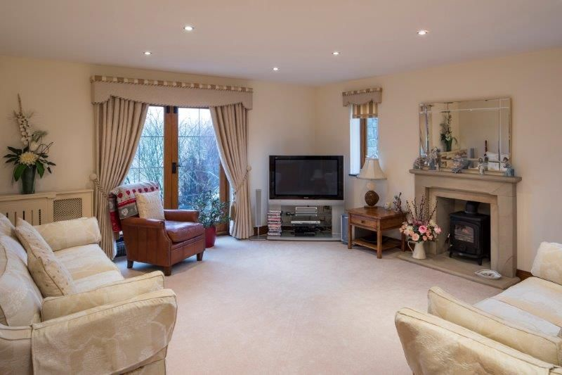 4 bedroom detached house For Sale in Todmorden - Photograph 37