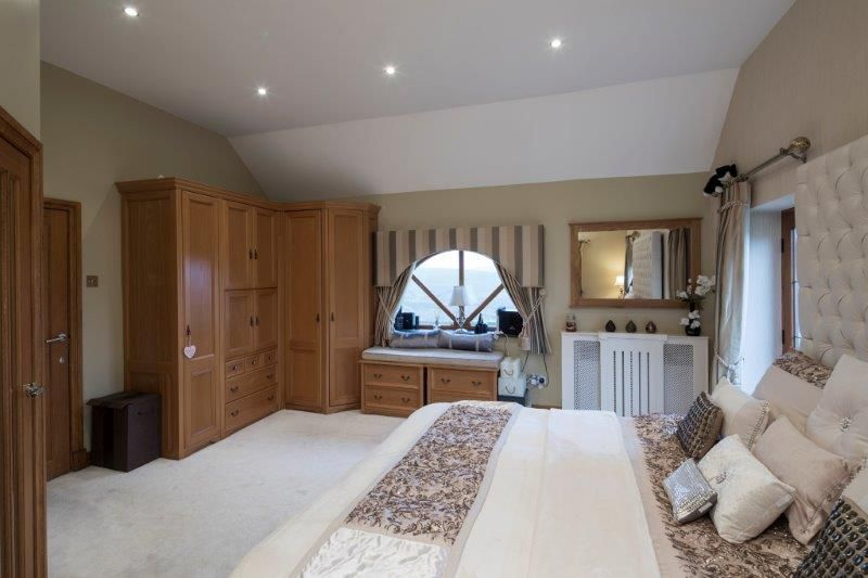 4 bedroom detached house For Sale in Todmorden - Photograph 39