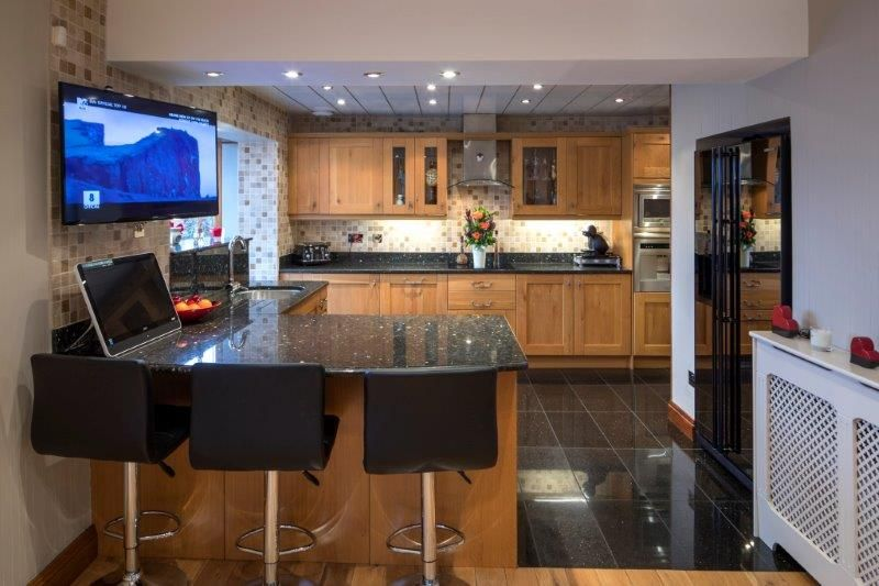 4 bedroom detached house For Sale in Todmorden - Photograph 27