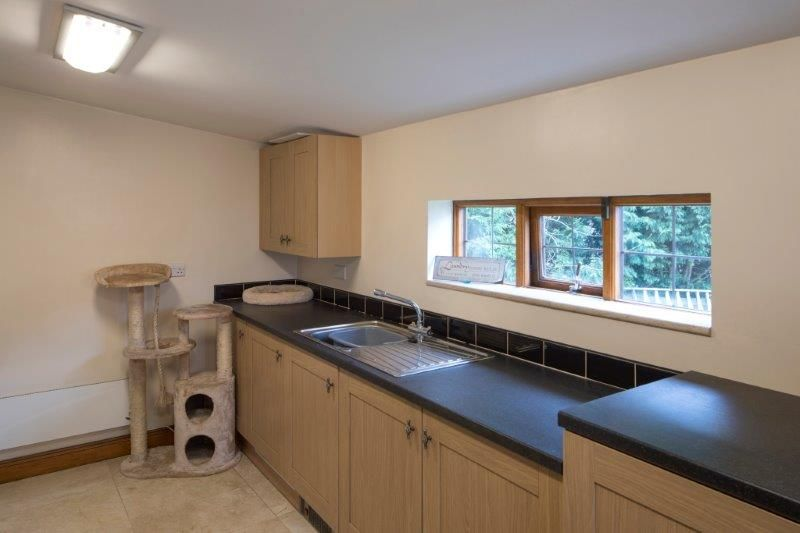 4 bedroom detached house For Sale in Todmorden - Photograph 35
