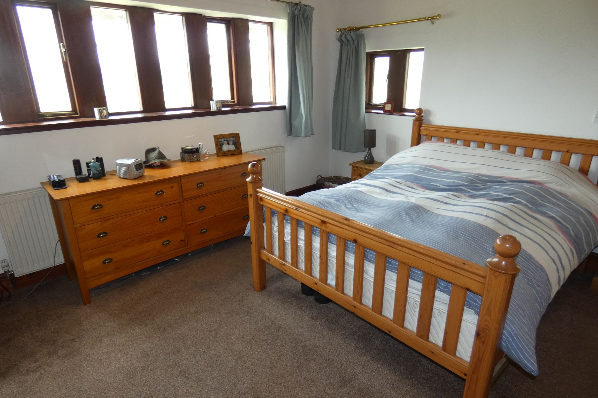 5 bedroom link detached house For Sale in Todmorden - Photograph 22