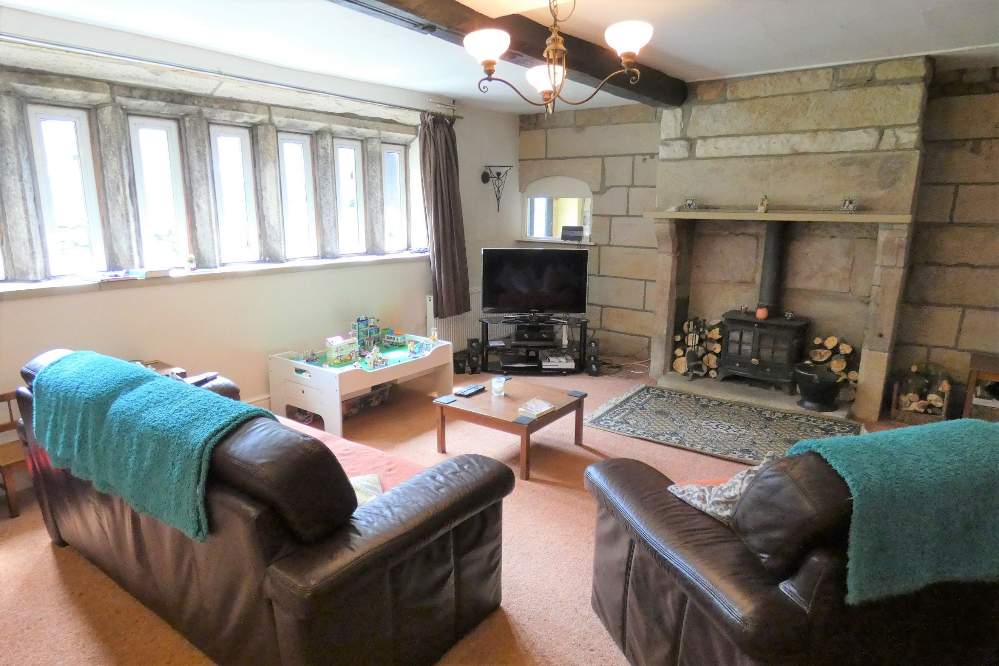 5 bedroom link detached house For Sale in Todmorden - Photograph 11