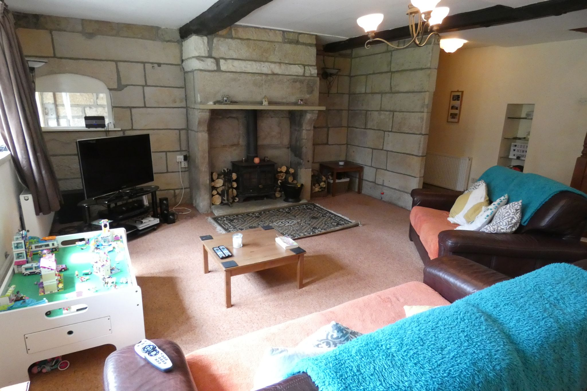 5 bedroom link detached house For Sale in Todmorden - Photograph 12