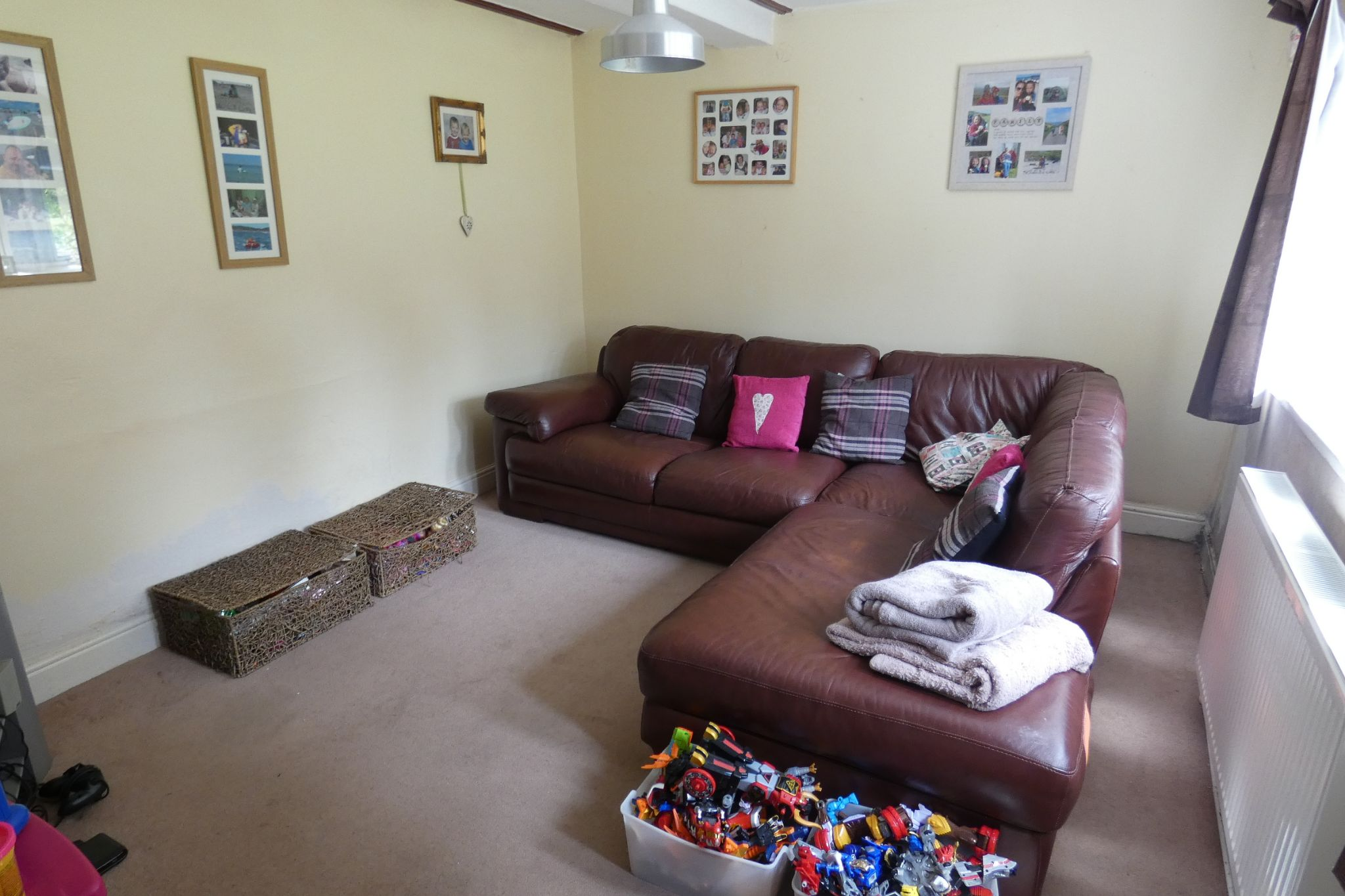 5 bedroom link detached house For Sale in Todmorden - Photograph 13
