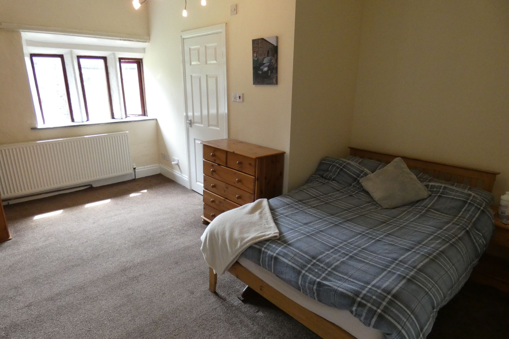 5 bedroom link detached house For Sale in Todmorden - Photograph 26