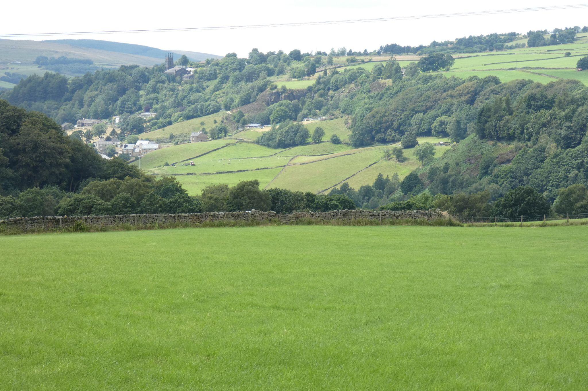 5 bedroom link detached house For Sale in Todmorden - Delightful Rural Setting