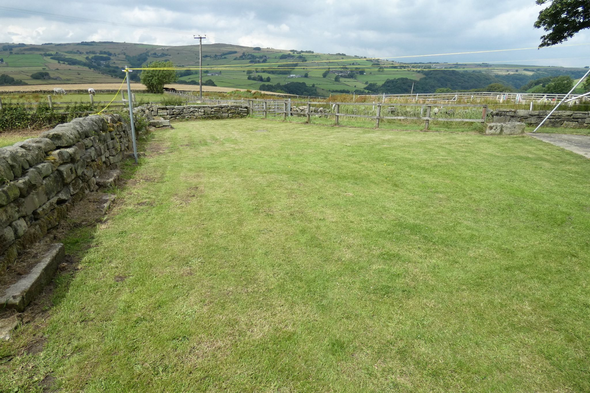 5 bedroom link detached house For Sale in Todmorden - Photograph 38