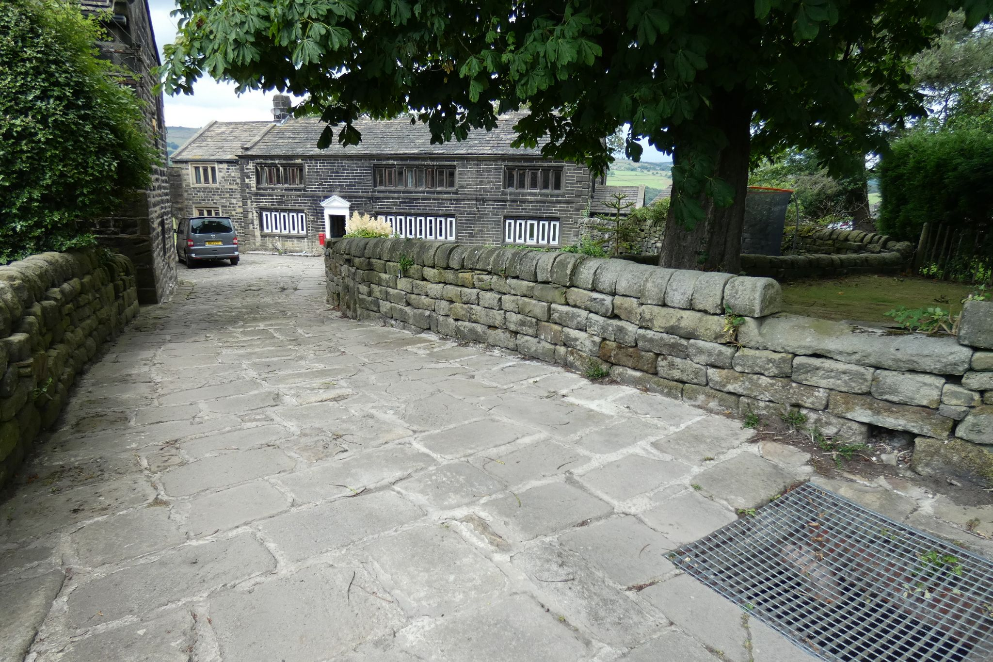 5 bedroom link detached house For Sale in Todmorden - Photograph 32