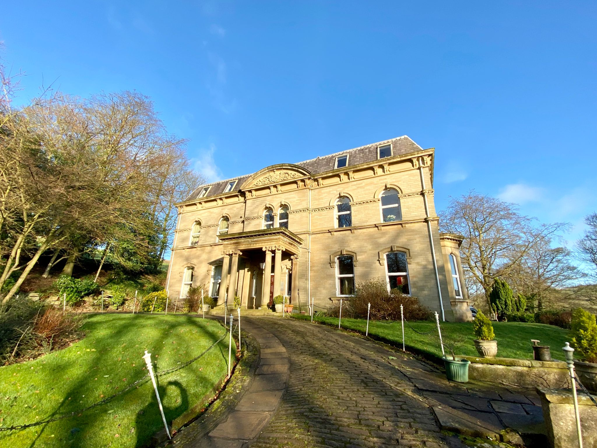 2 bedroom apartment flat/apartment For Sale in Halifax - Property photograph