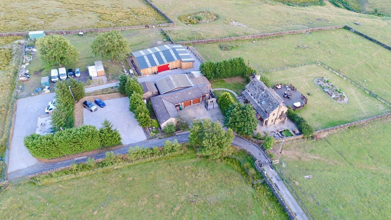 3 bedroom detached bungalow For Sale in Todmorden - Property photograph