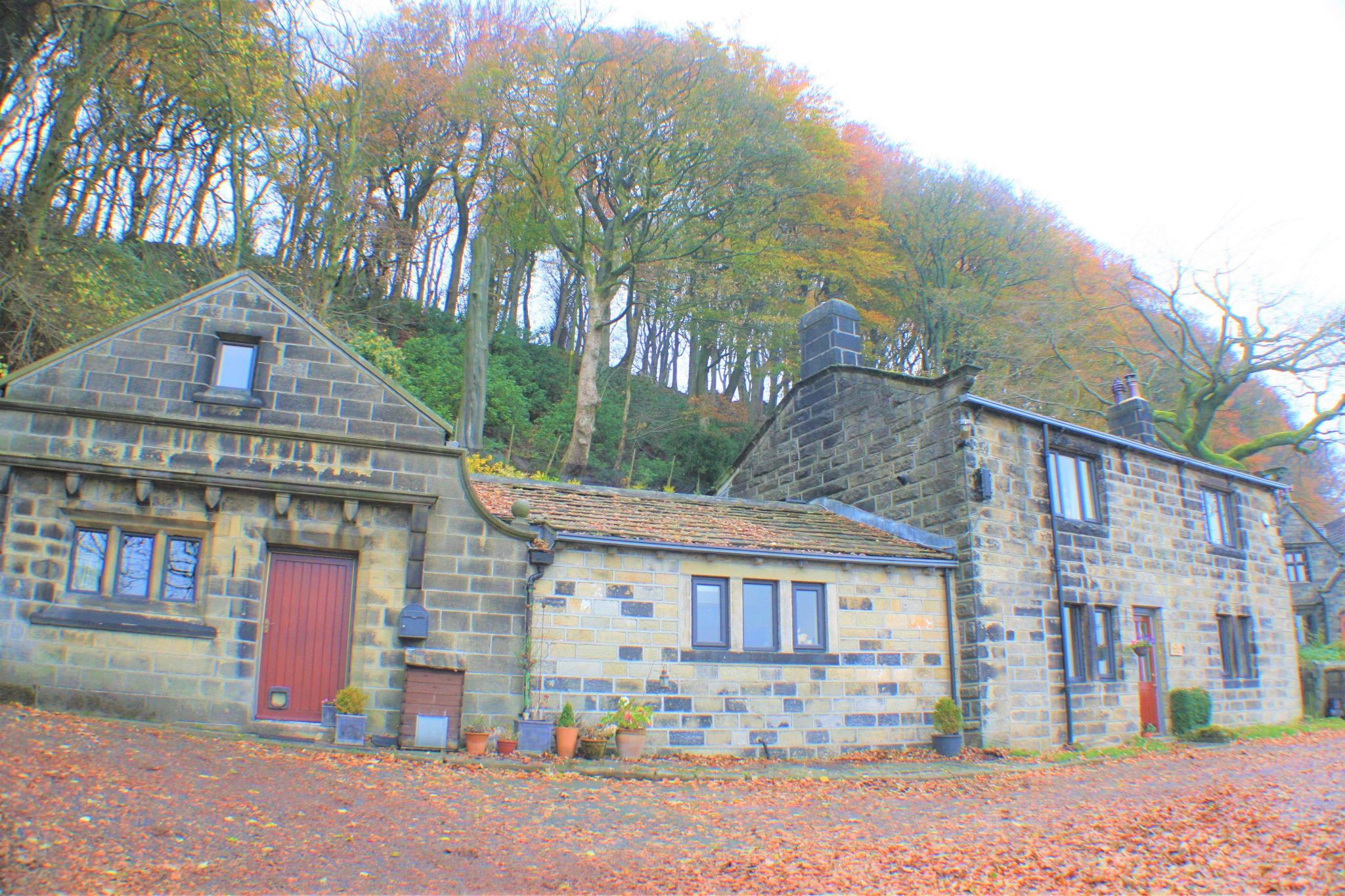 4 bedroom detached house For Sale in Hebden Bridge - Property photograph