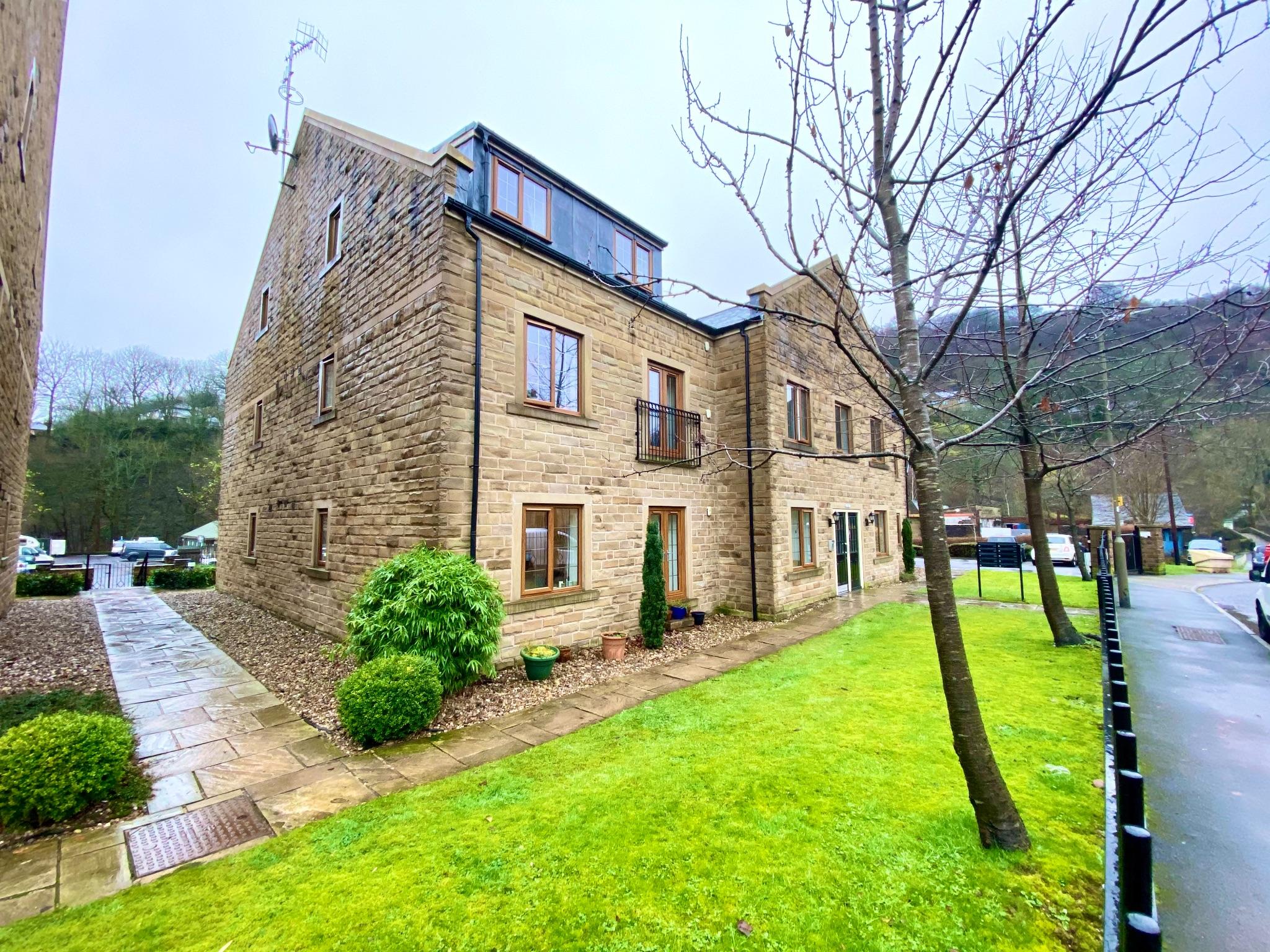 2 bedroom ground floor flat/apartment To Let in Hebden Bridge - Property photograph