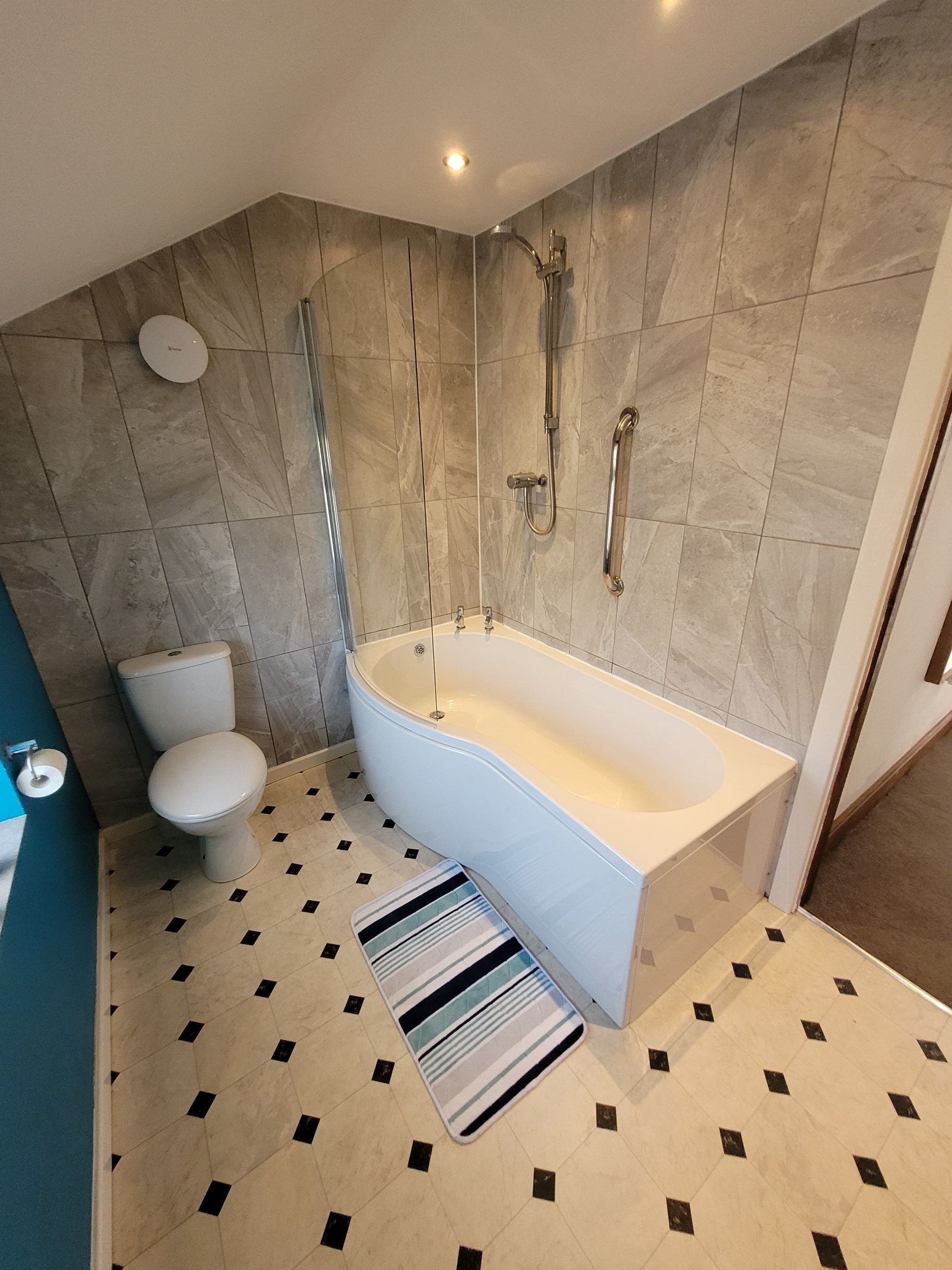 4 bedroom semi-detached house For Sale in Luddenden, Halifax - Photograph 35