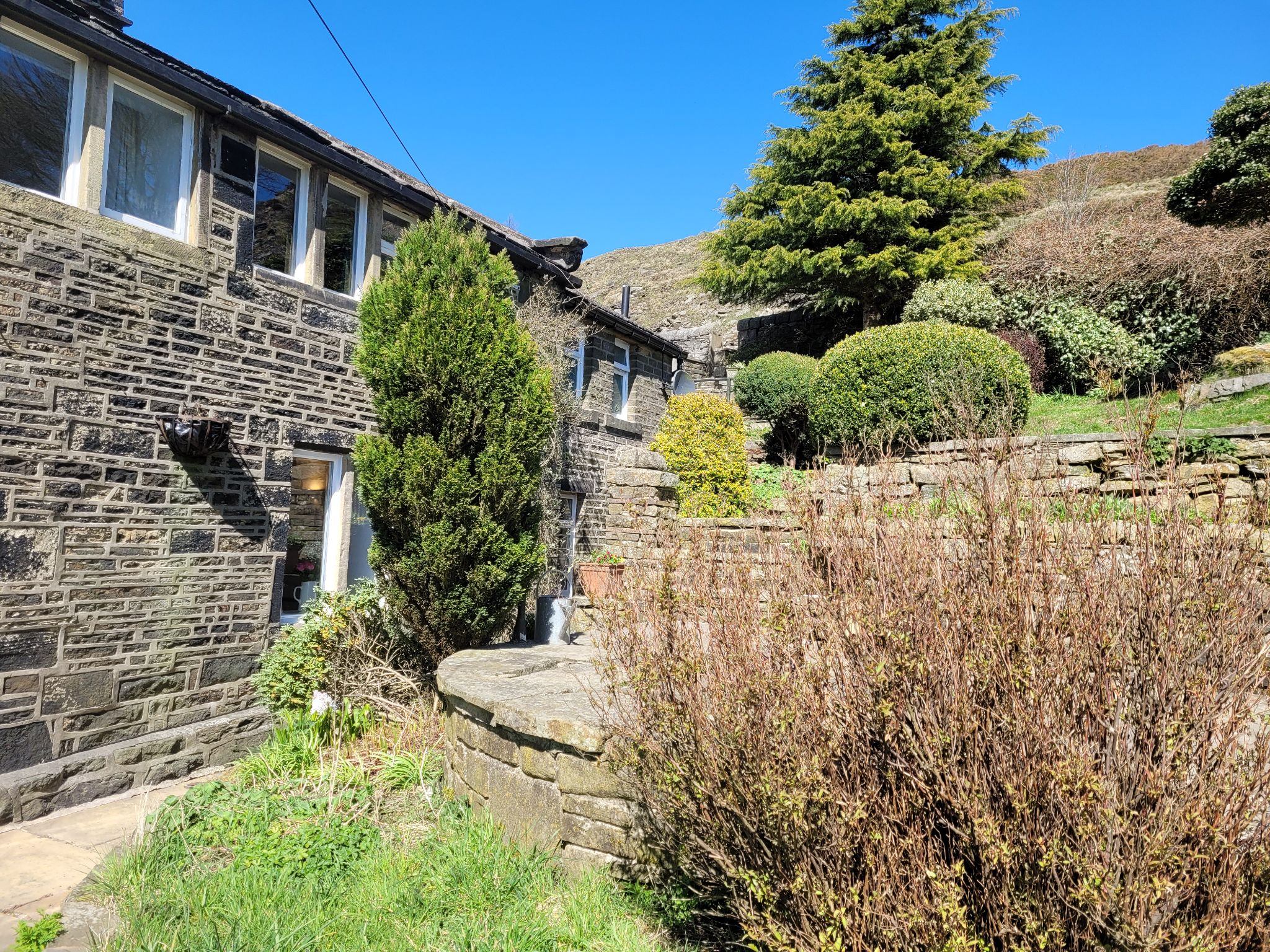 4 bedroom semi-detached house For Sale in Luddenden, Halifax - Photograph 41