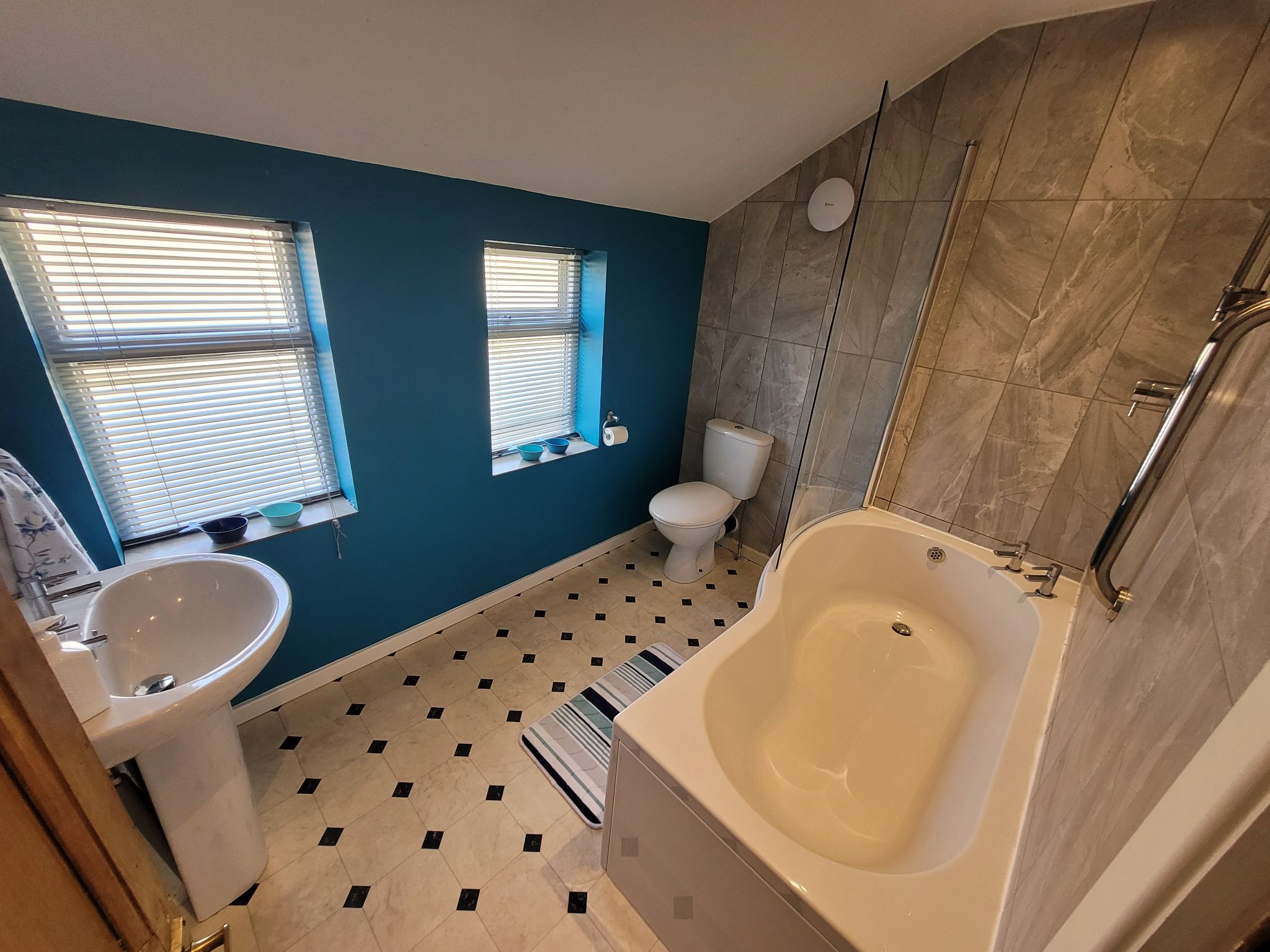 4 bedroom semi-detached house For Sale in Luddenden, Halifax - Photograph 34