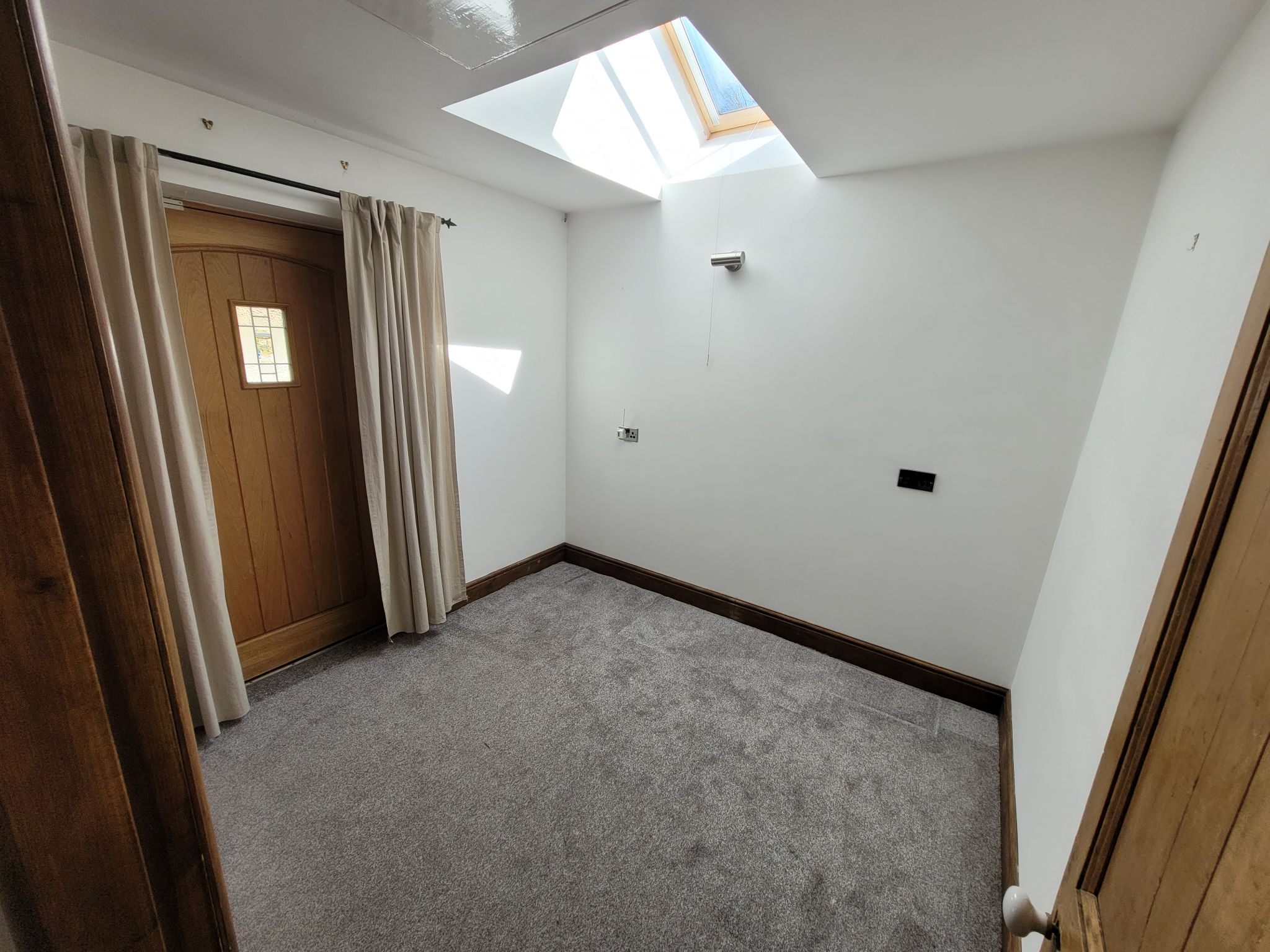 4 bedroom semi-detached house For Sale in Luddenden, Halifax - Photograph 30