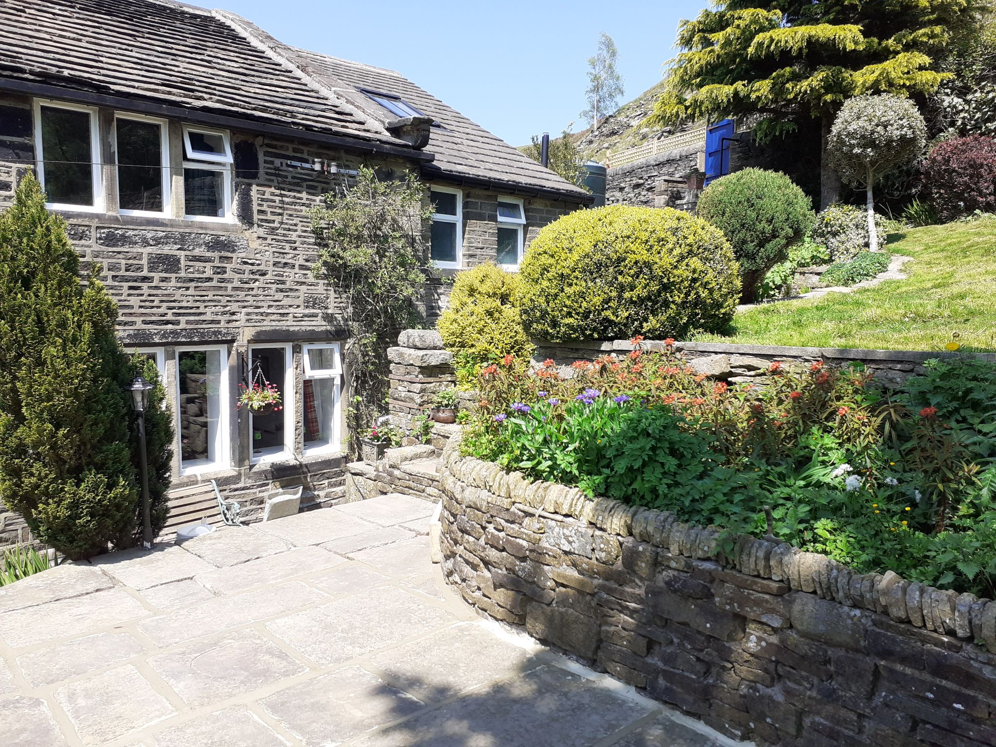 4 bedroom semi-detached house For Sale in Luddenden, Halifax - Photograph 39