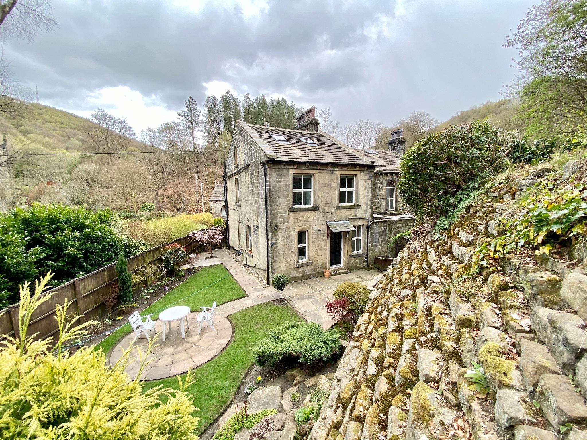 3 bedroom semi-detached house For Sale in Mytholmroyd, Hebden Bridge - Property photograph