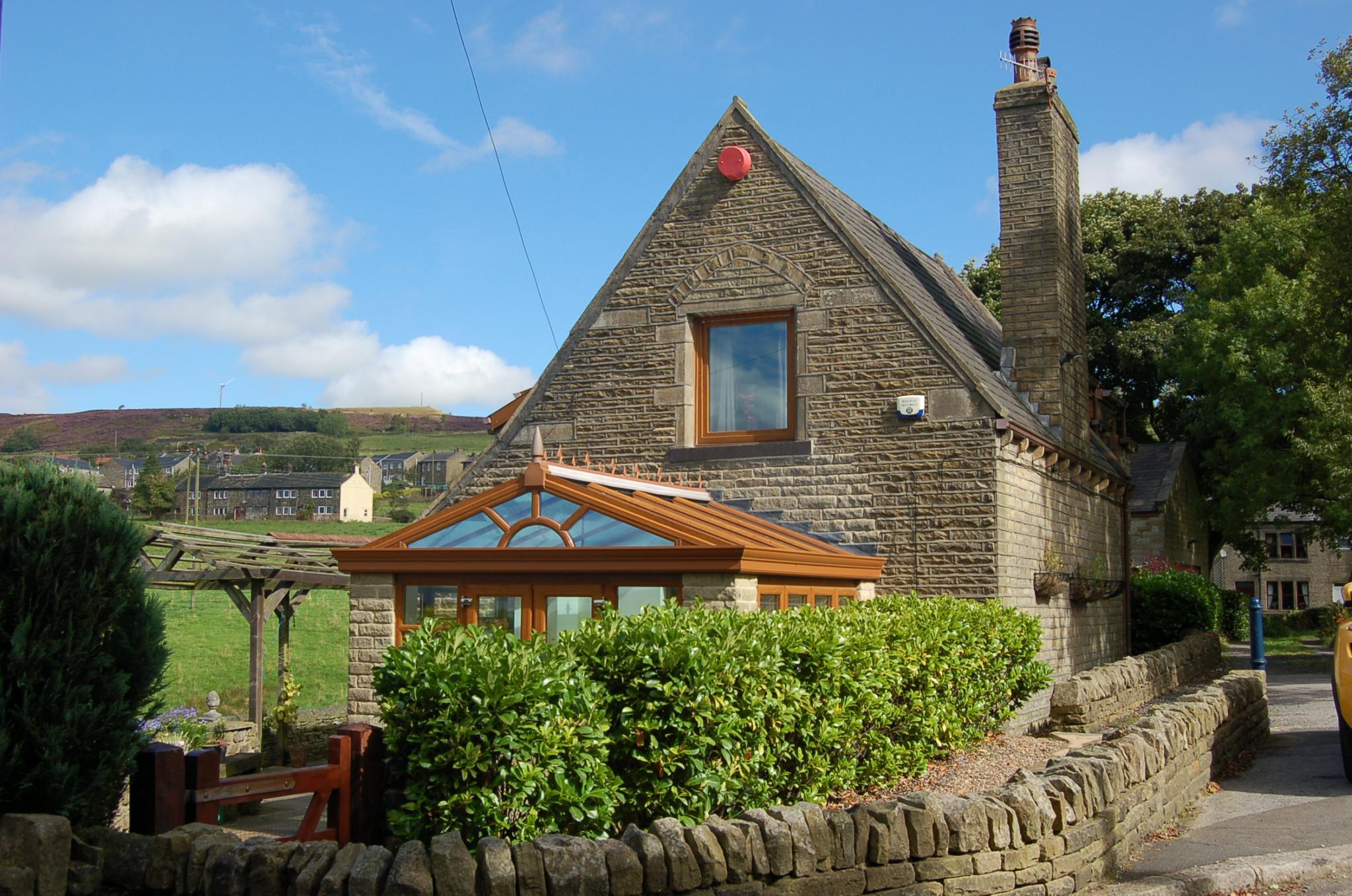 4 bedroom detached house For Sale in Hebden Bridge - Property photograph