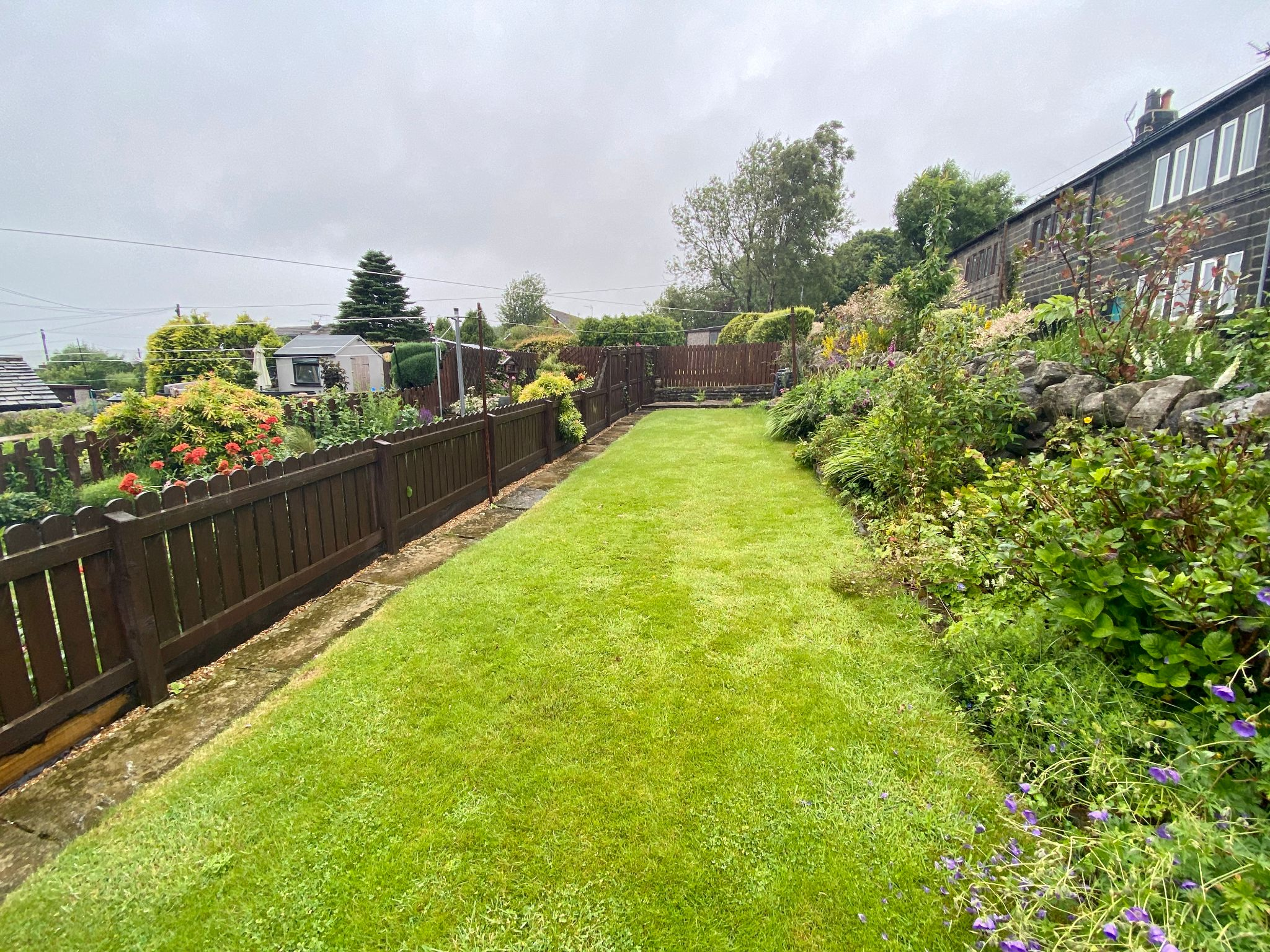 2 bedroom end terraced house To Let in Old Town, Hebden Bridge - Property photograph