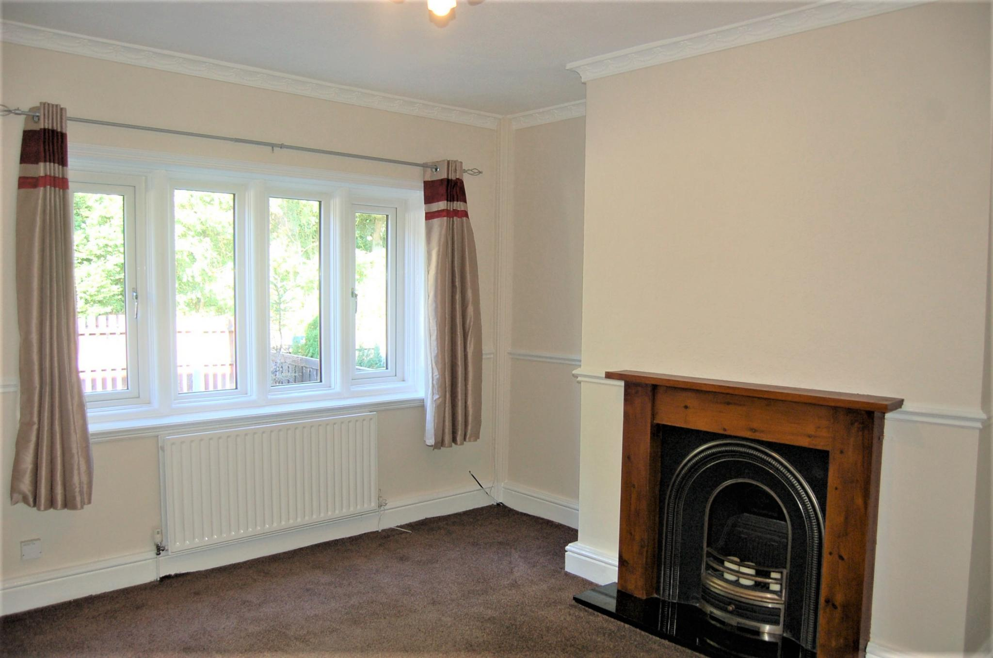 2 bedroom mid terraced house To Let in Rochdale - Property photograph