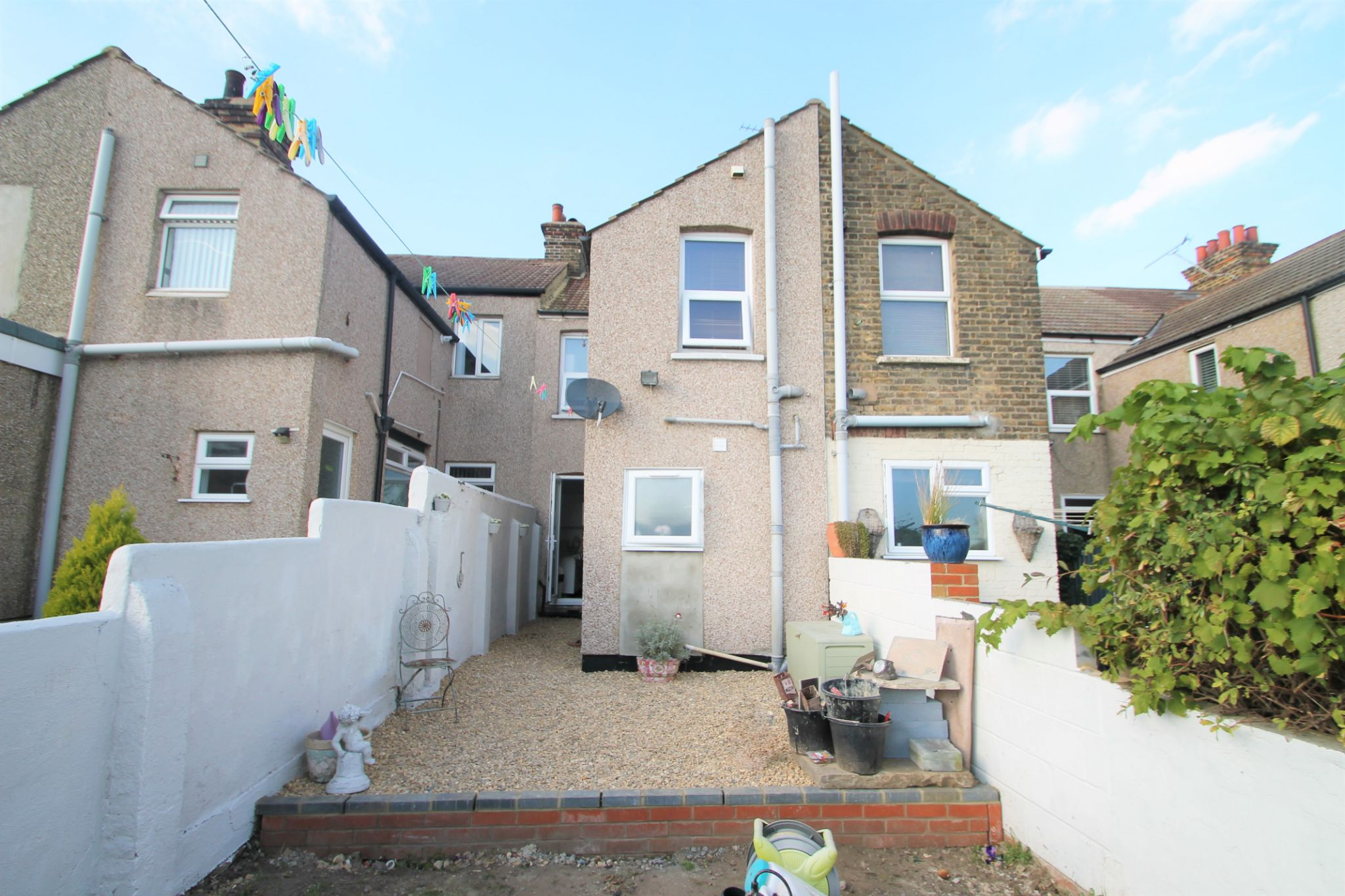 3 Bedroom Mid Terraced House For Sale - Rear View of Garden