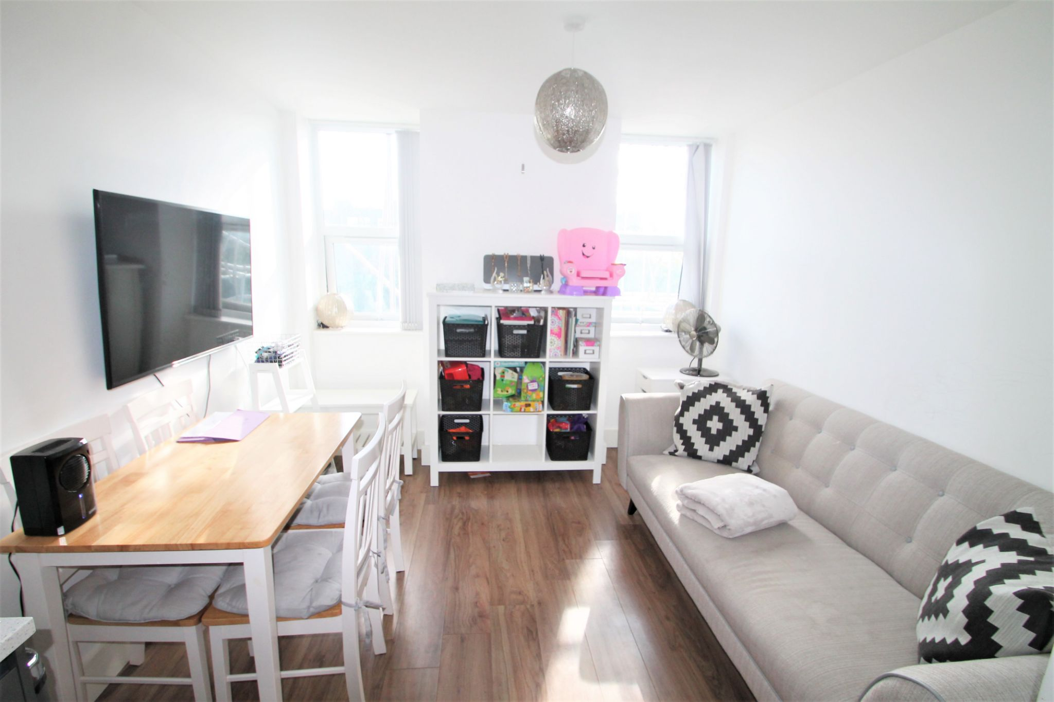 1 Bedroom Flat Flat/apartment For Sale - Lounge