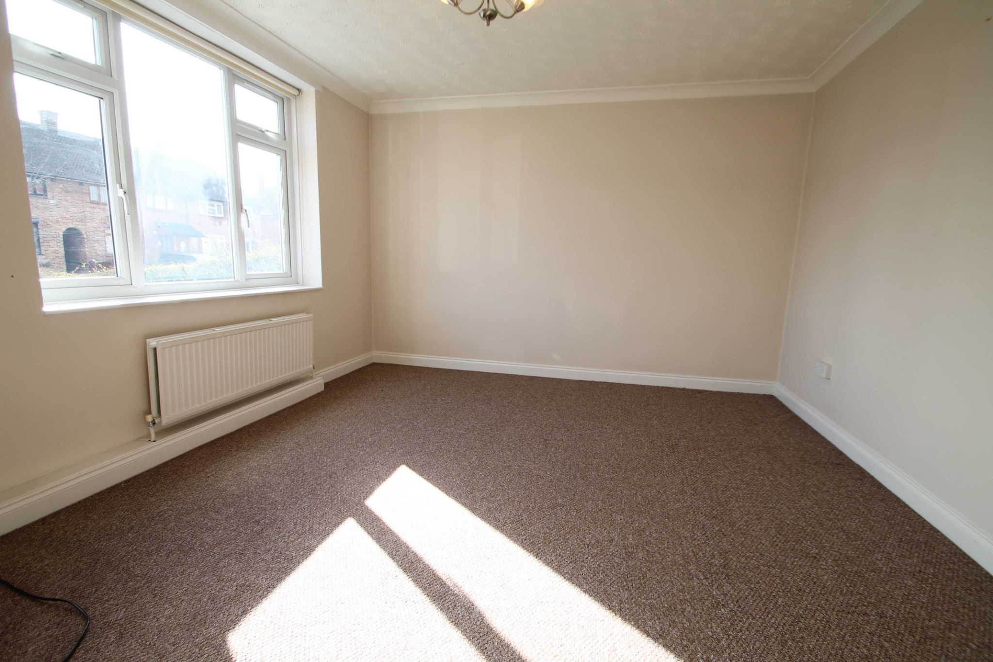 4 Bedroom Mid Terraced House For Sale - Lounge