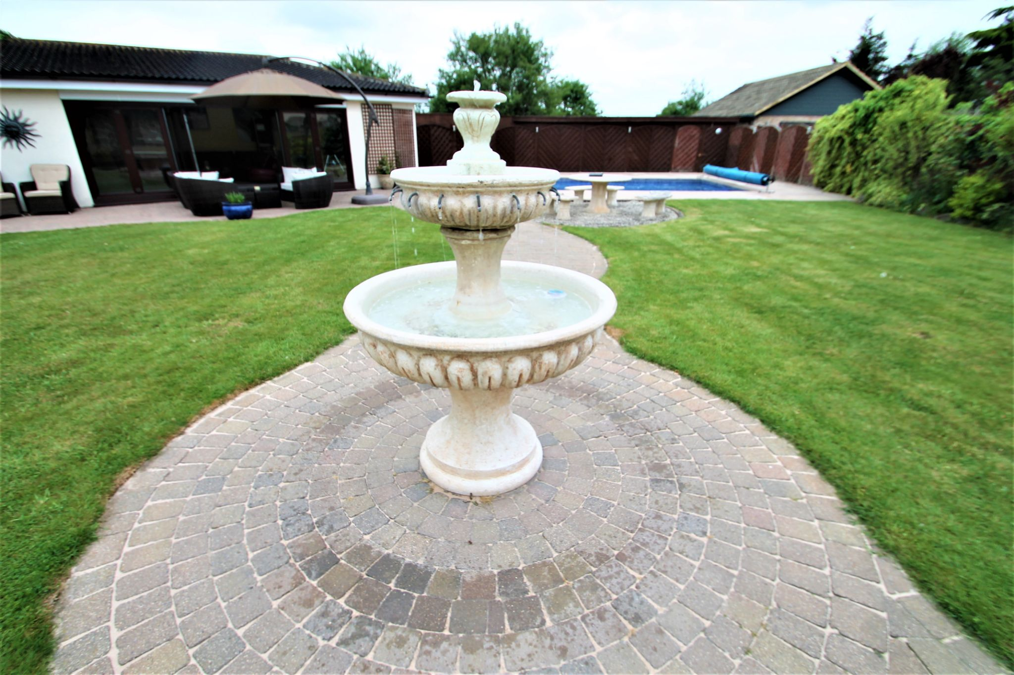 5 Bedroom Detached House For Sale - Fountain