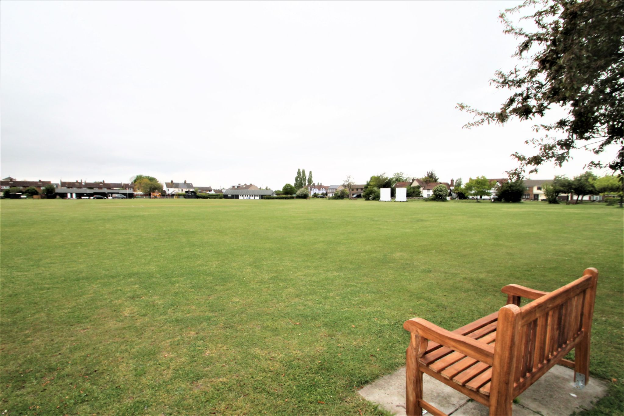 5 Bedroom Detached House For Sale - Cricket Field