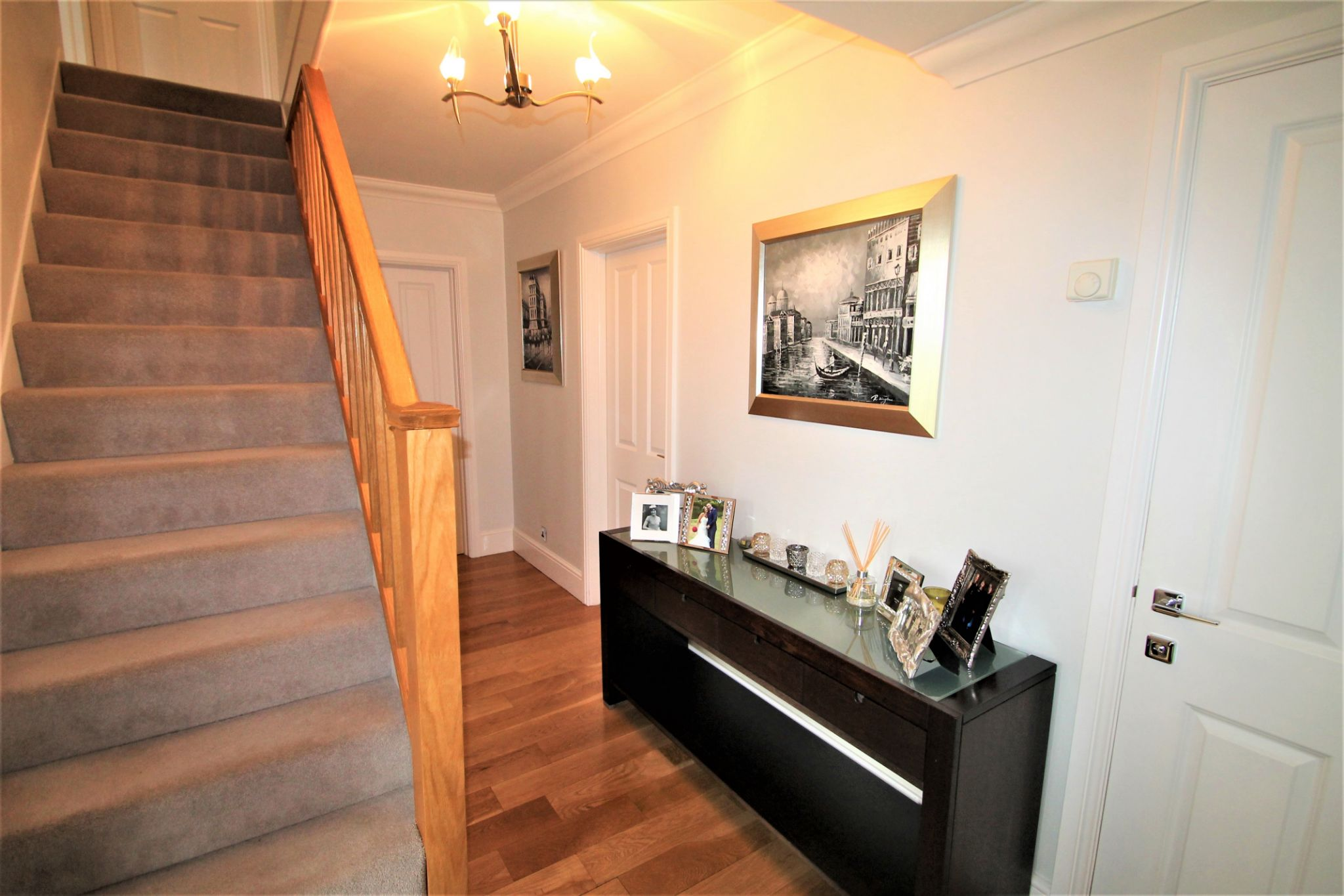 5 Bedroom Detached House For Sale - Entrance Hallway