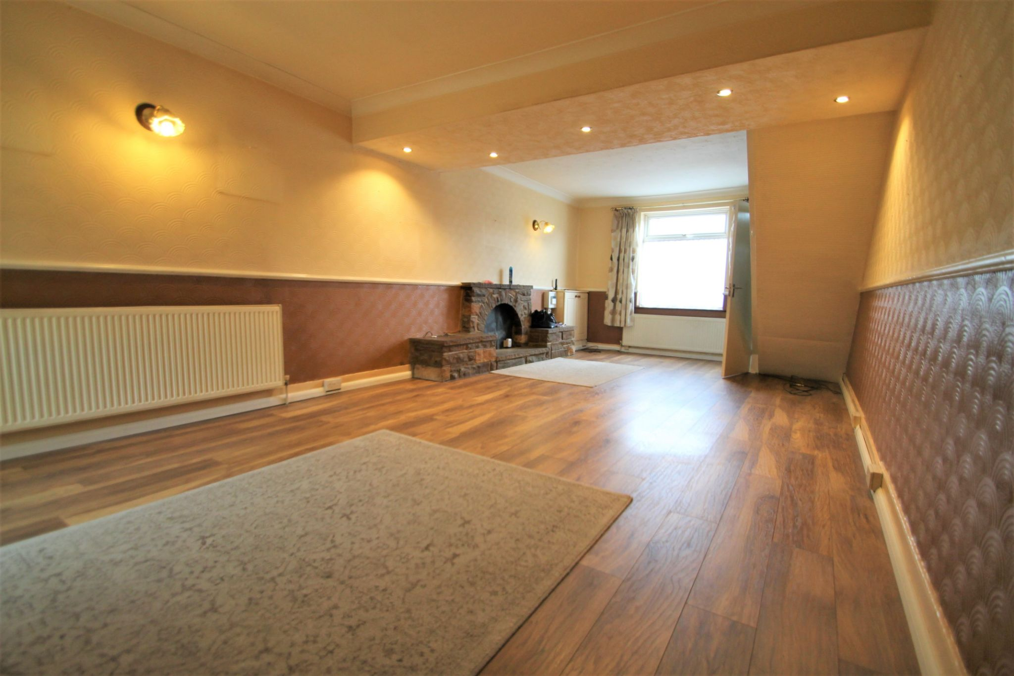 3 Bedroom End Terraced House For Sale - Lounge