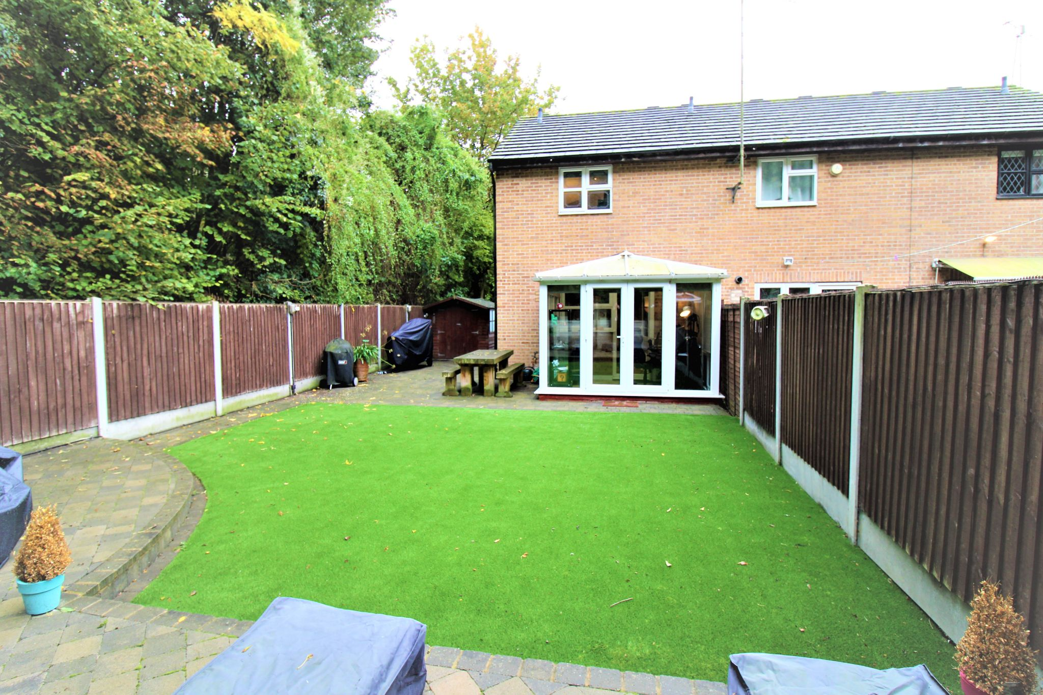 2 Bedroom End Terraced House For Sale - Garden
