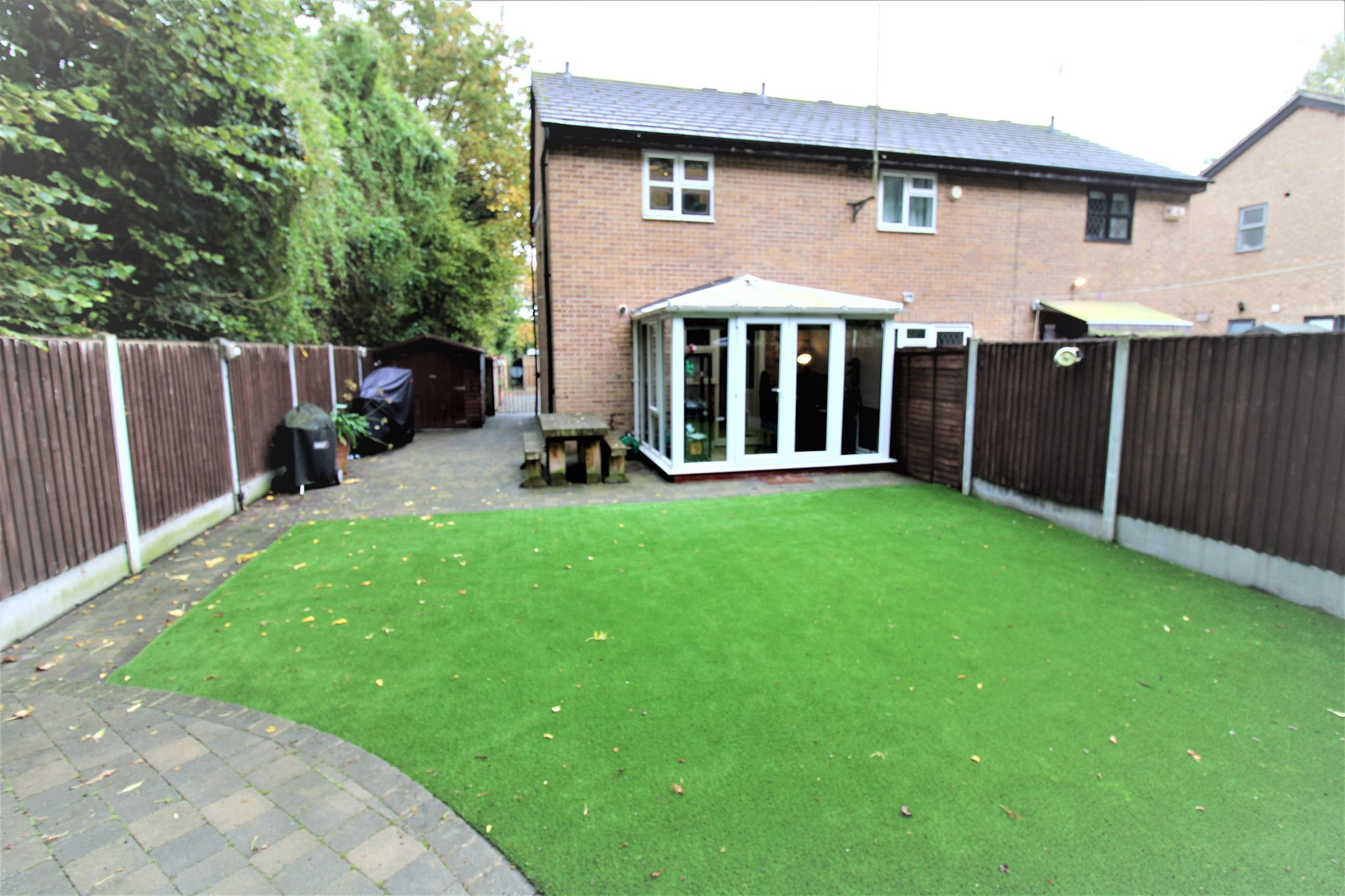 2 Bedroom End Terraced House For Sale - Garden2