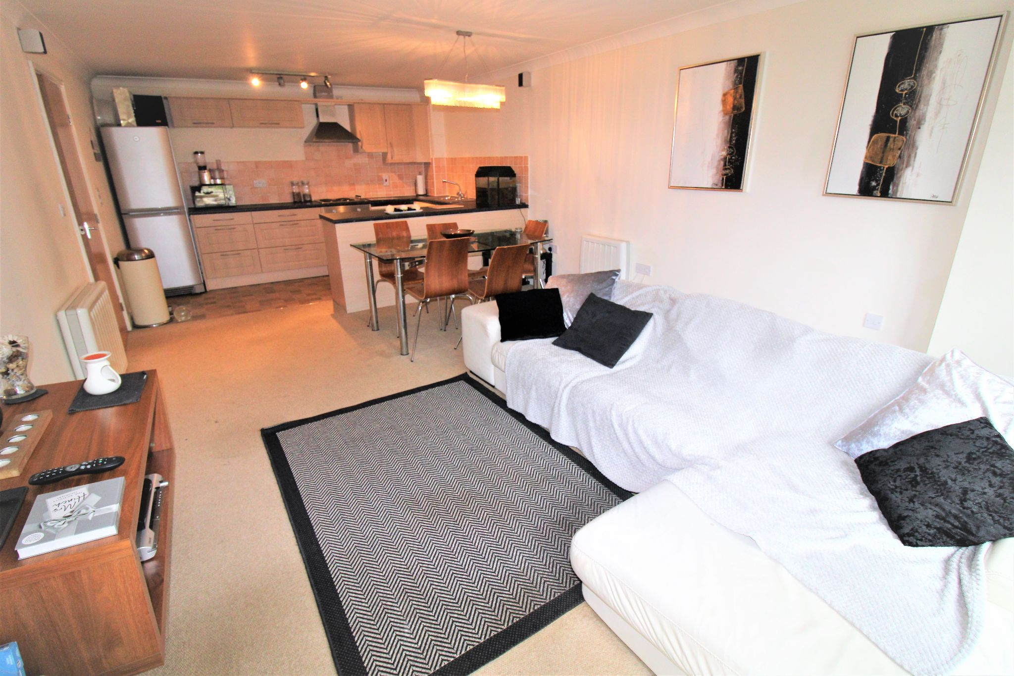 2 Bedroom Apartment Flat/apartment For Sale - Living Room