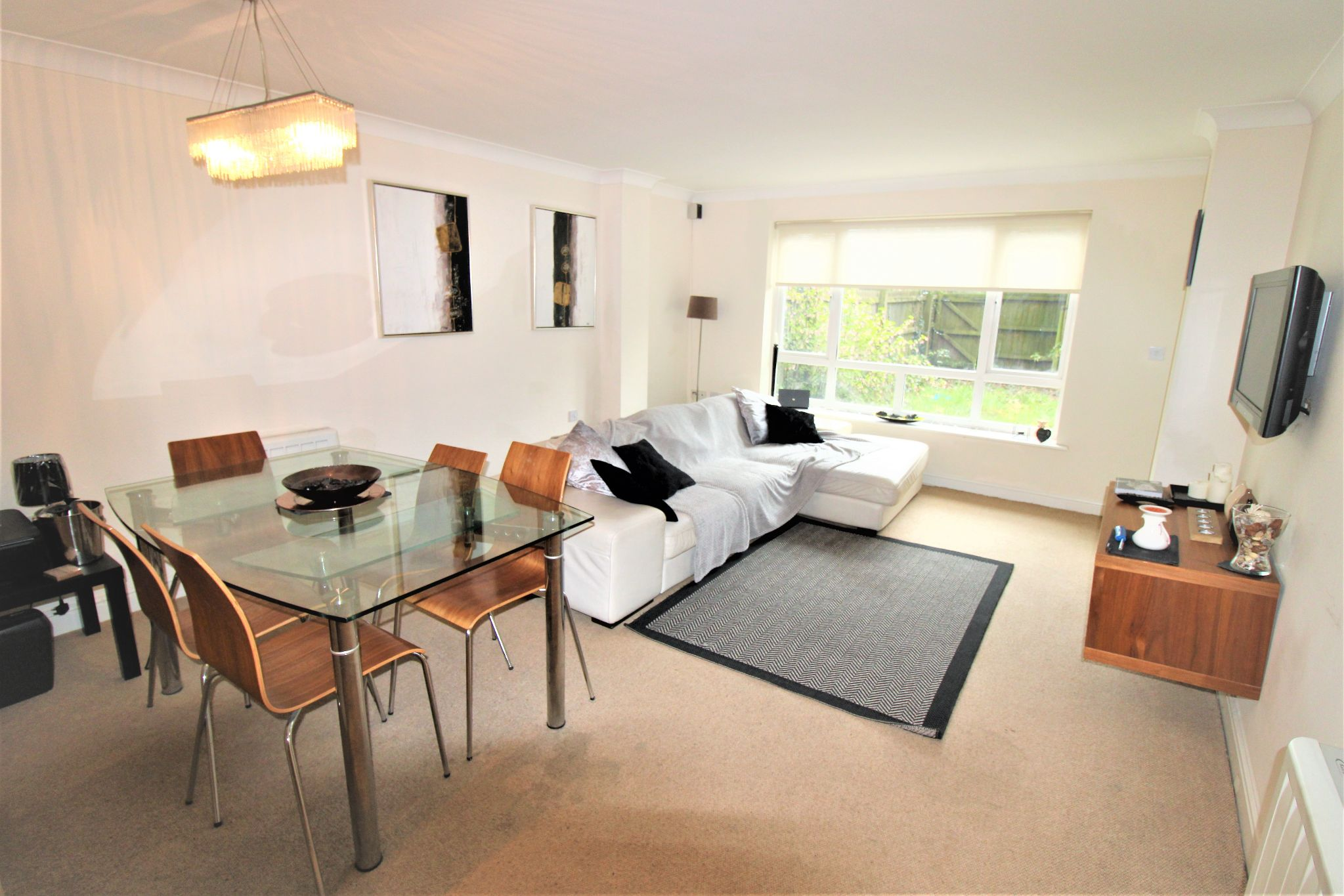 2 Bedroom Apartment Flat/apartment For Sale - Living room /dining area