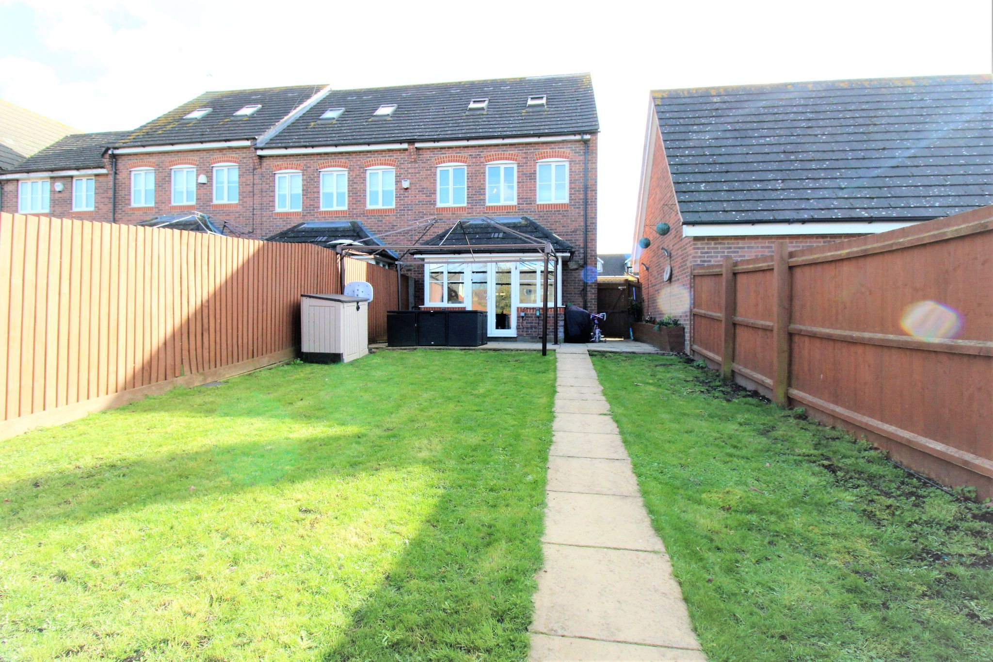 4 Bedroom Semi-detached House For Sale - Photograph 18