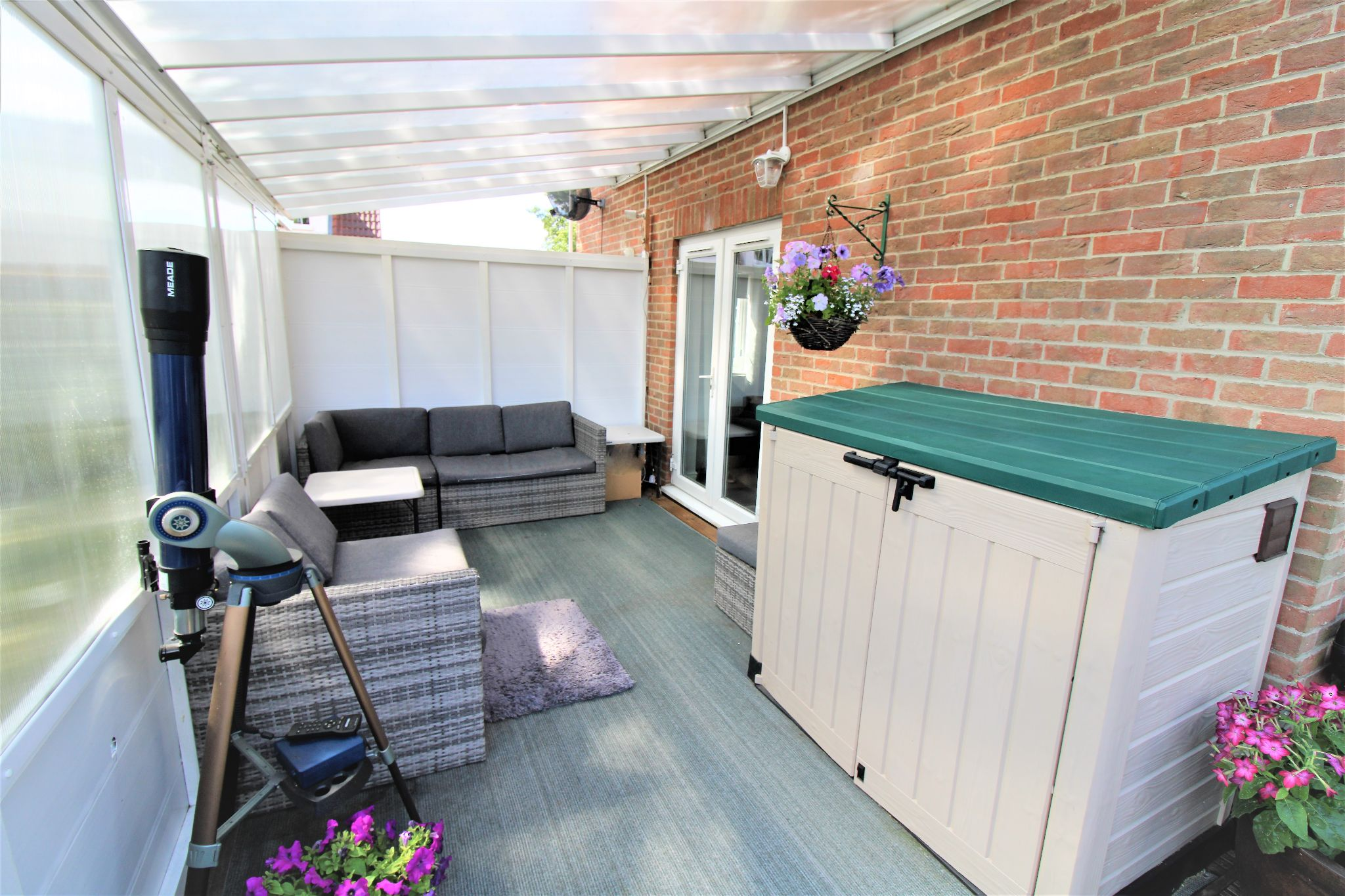 5 Bedroom Detached House For Sale - Covered Decking