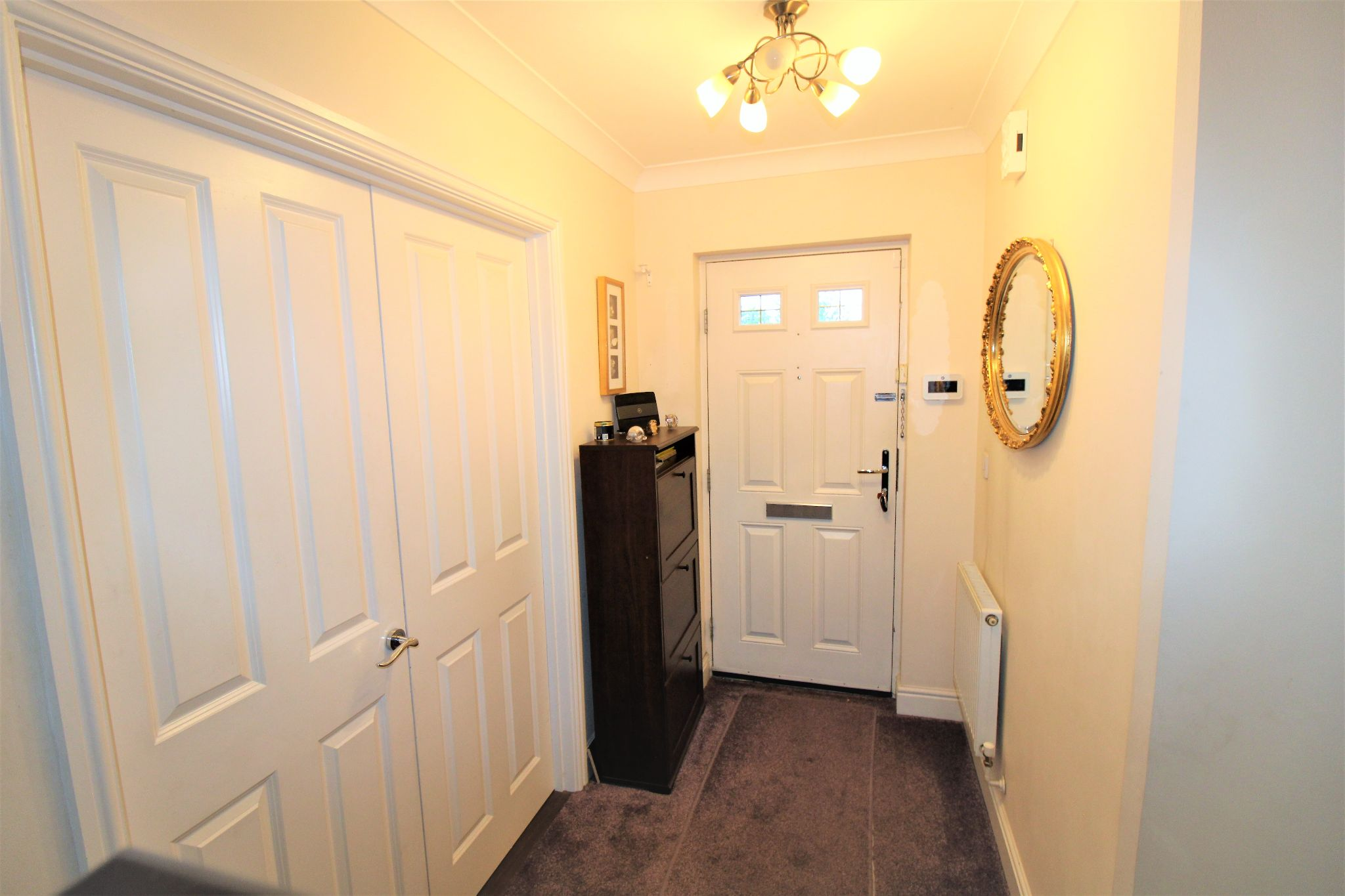 5 Bedroom Detached House For Sale - Entrance