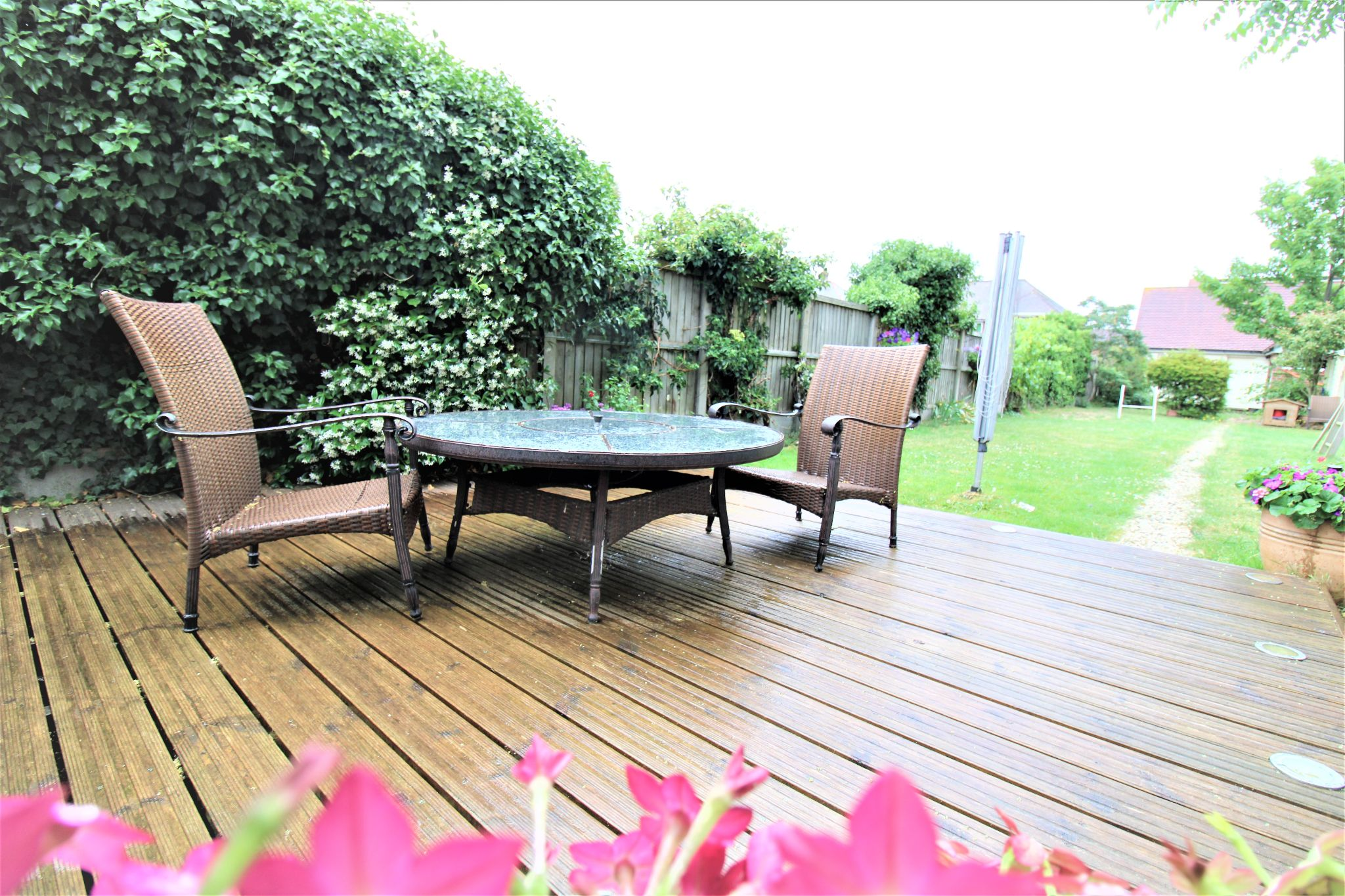 5 Bedroom Detached House For Sale - Decking