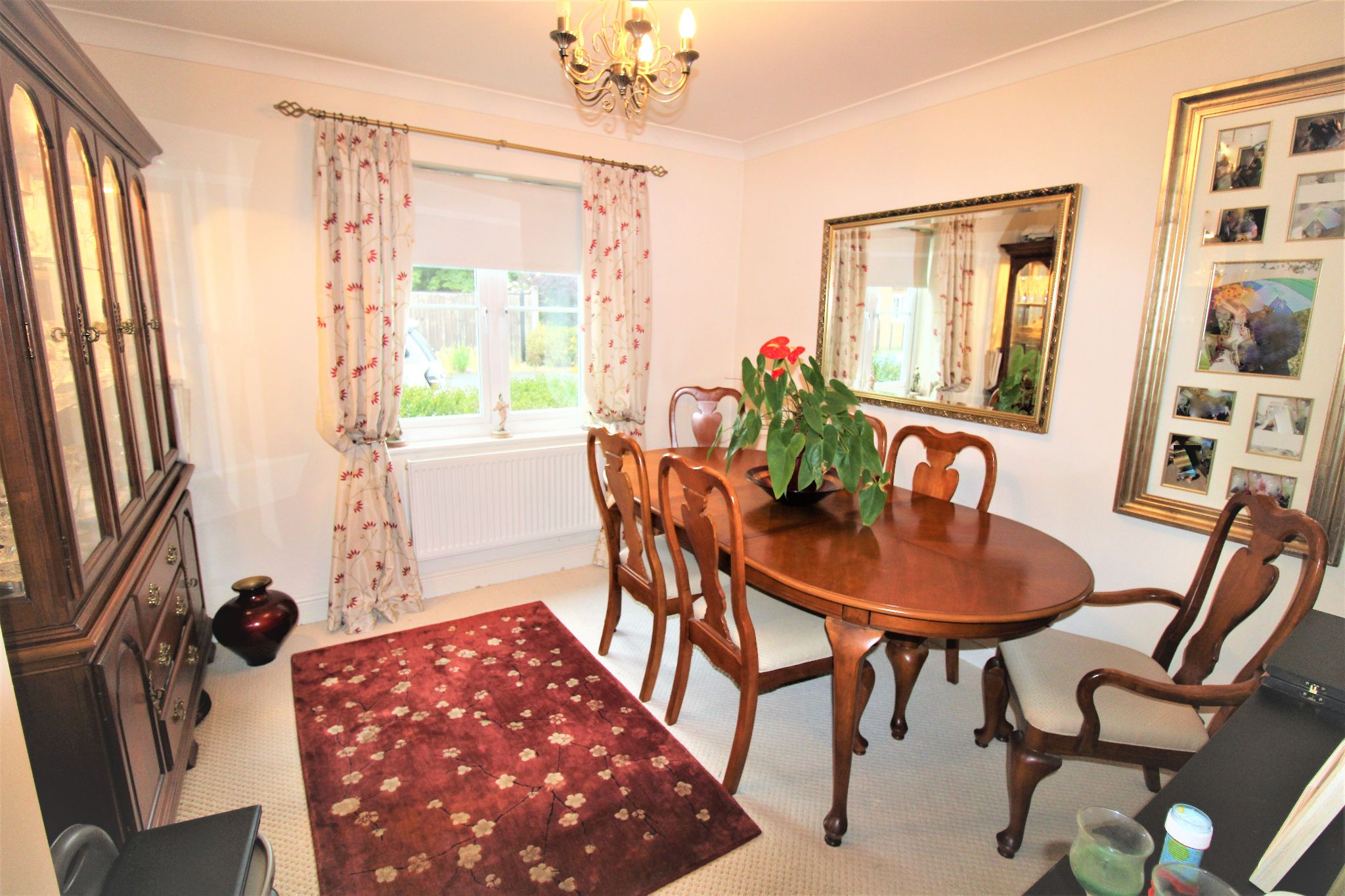 5 Bedroom Detached House For Sale - Dining Room