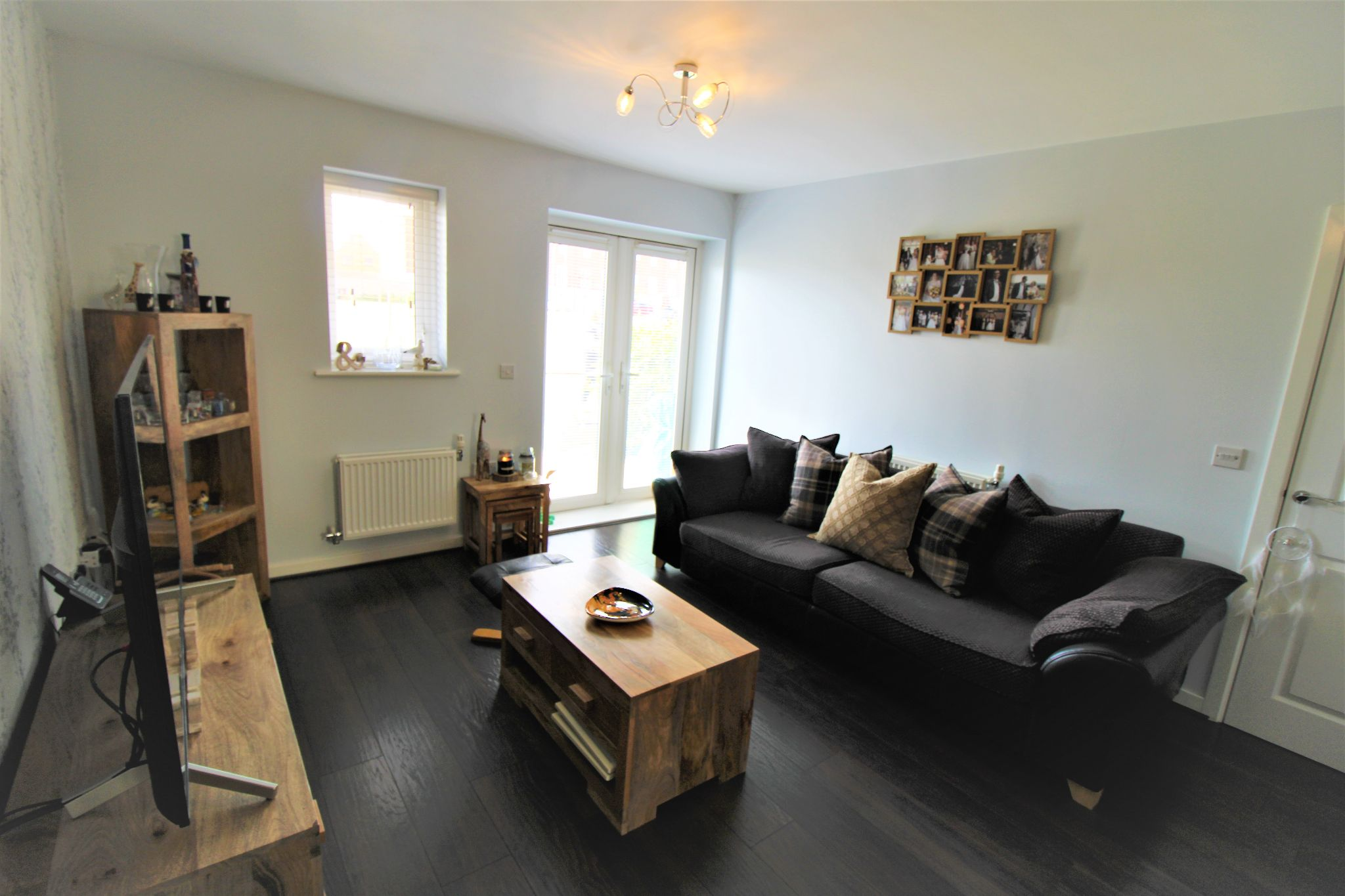 2 Bedroom Apartment Flat/apartment For Sale - Living